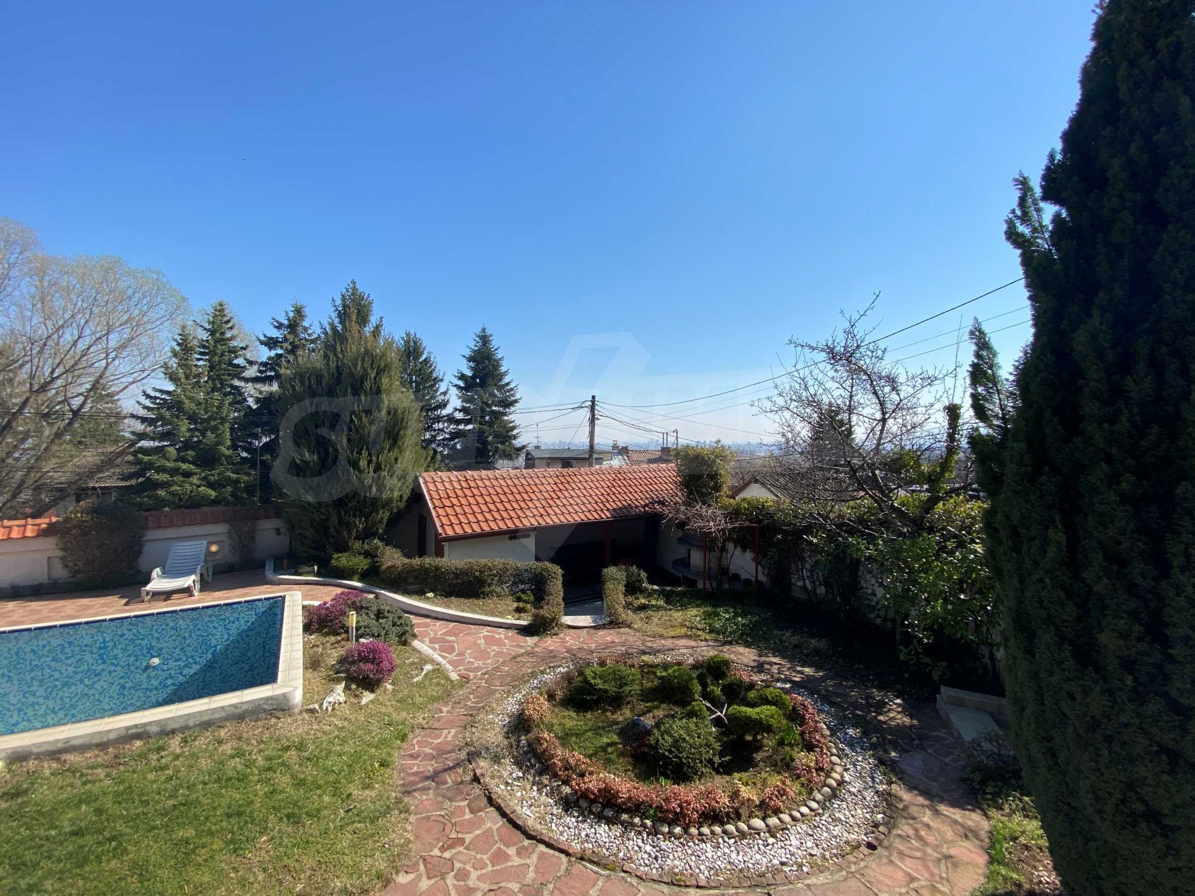 Family house with swimming pool in Dragalevtsi district 23