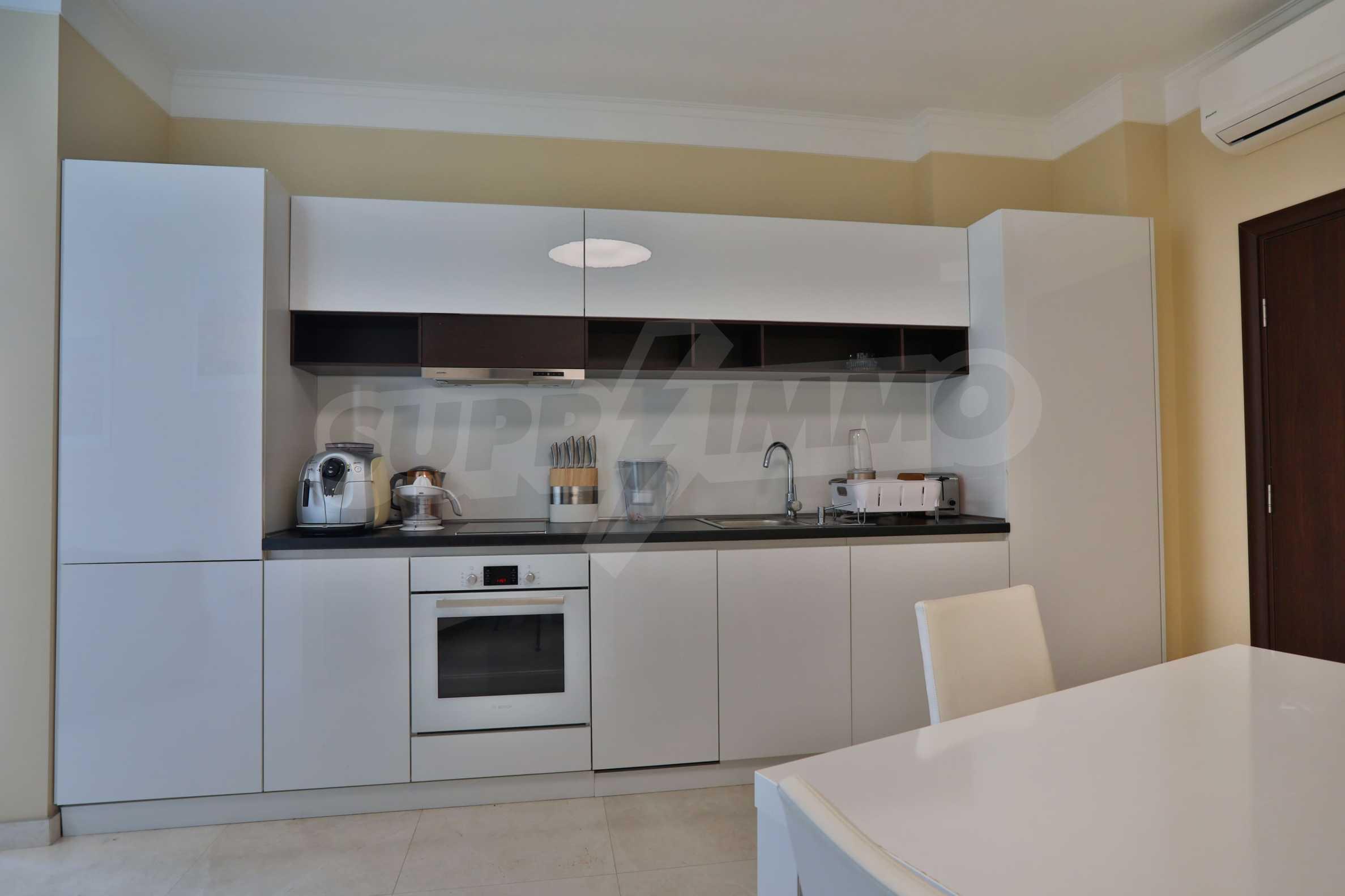 Дизайнерски тристаен апартамент под наем за летен сезон в резиденция Belle Époque в Лозенец 5
