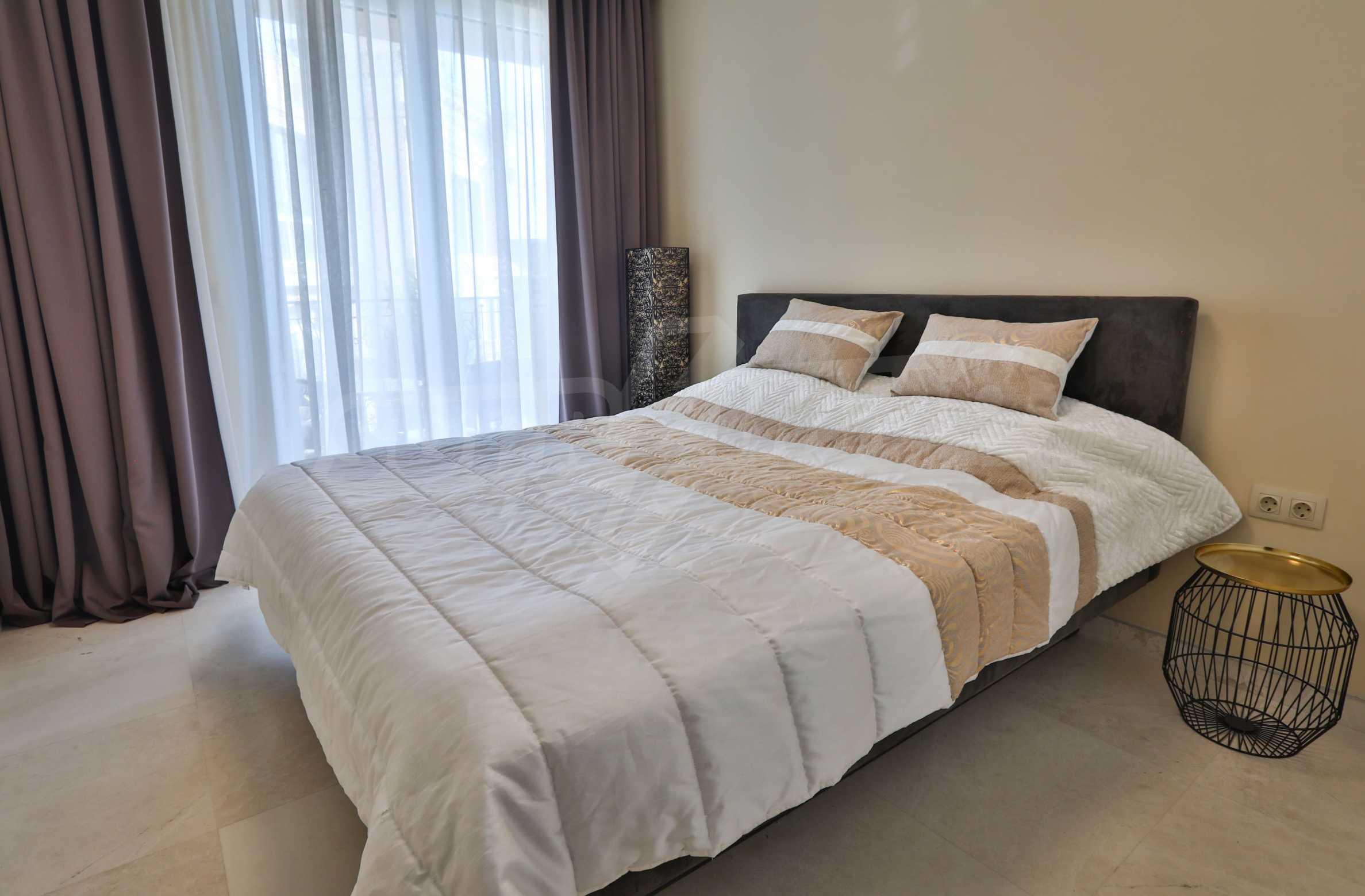Дизайнерски тристаен апартамент под наем за летен сезон в резиденция Belle Époque в Лозенец 18