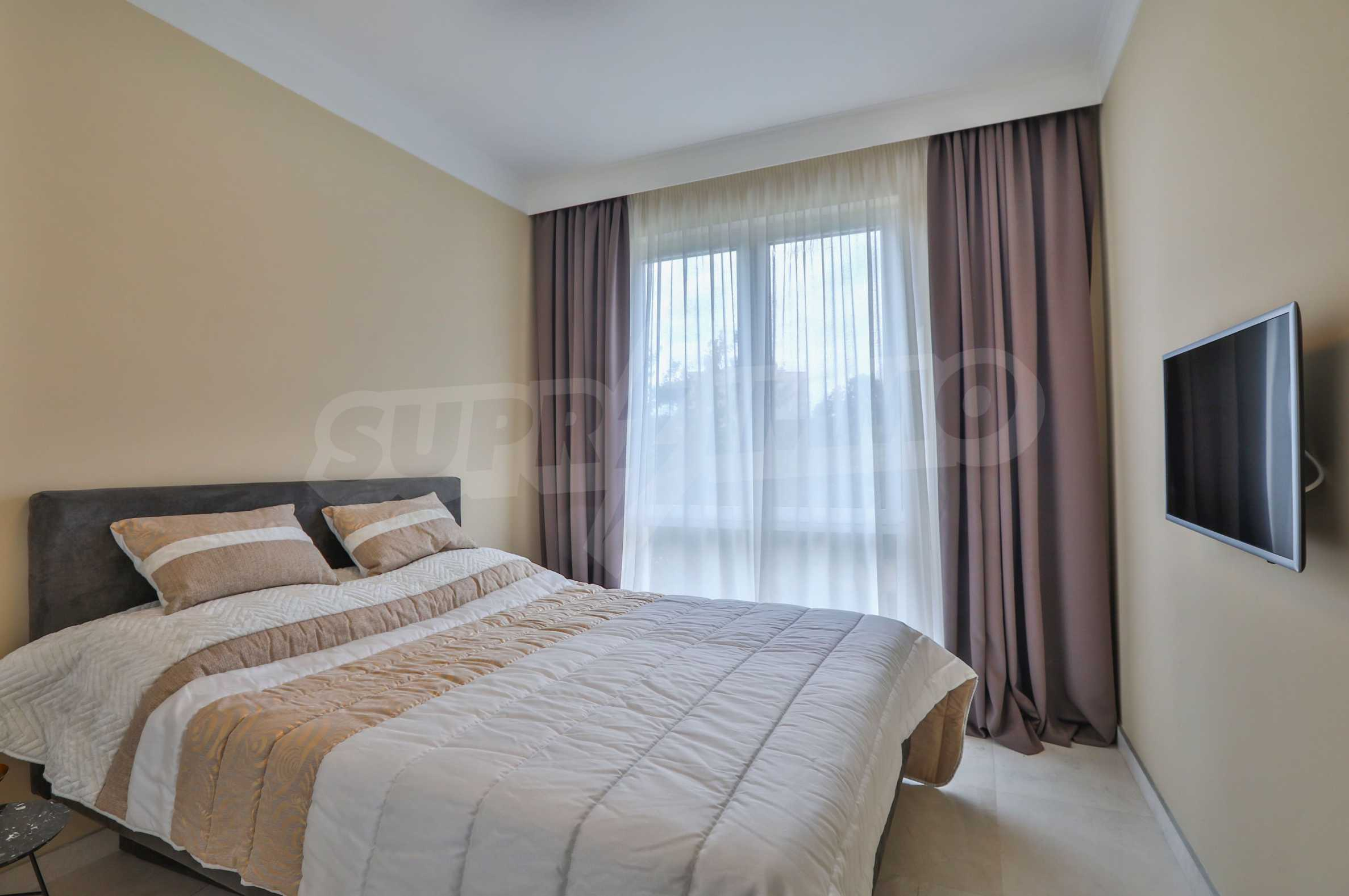 Дизайнерски тристаен апартамент под наем за летен сезон в резиденция Belle Époque в Лозенец 19