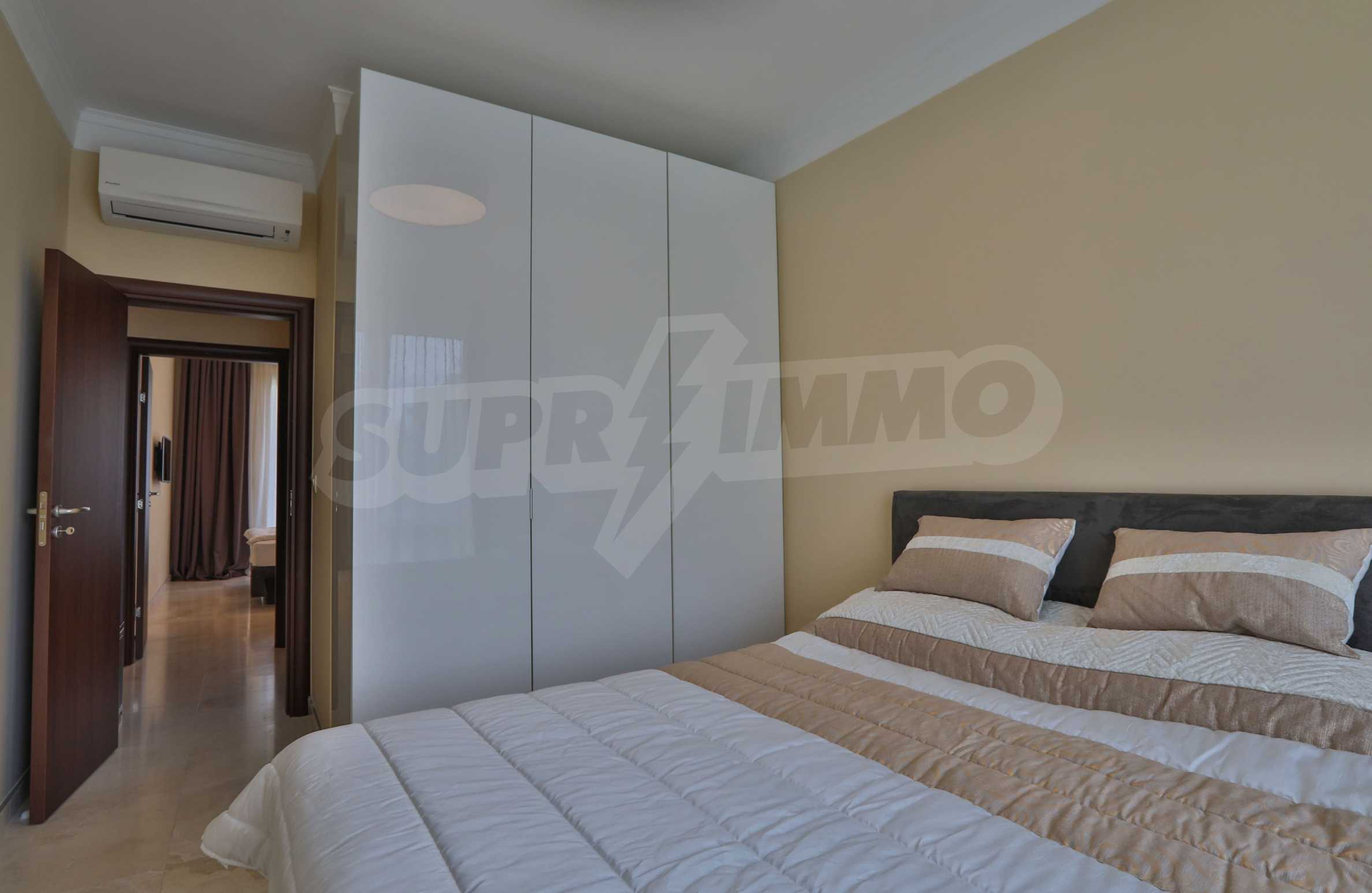 Дизайнерски тристаен апартамент под наем за летен сезон в резиденция Belle Époque в Лозенец 20