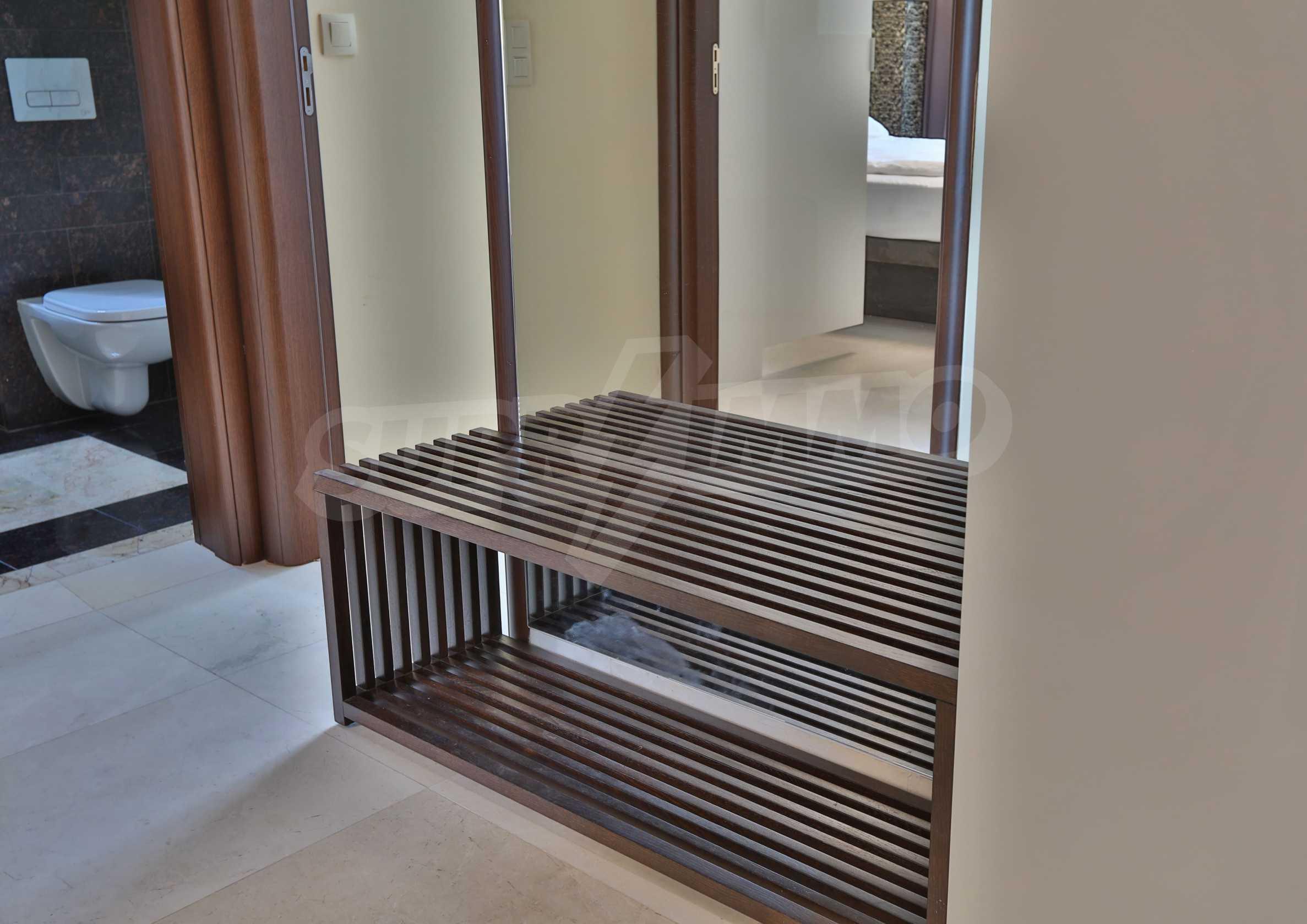 Дизайнерски тристаен апартамент под наем за летен сезон в резиденция Belle Époque в Лозенец 28