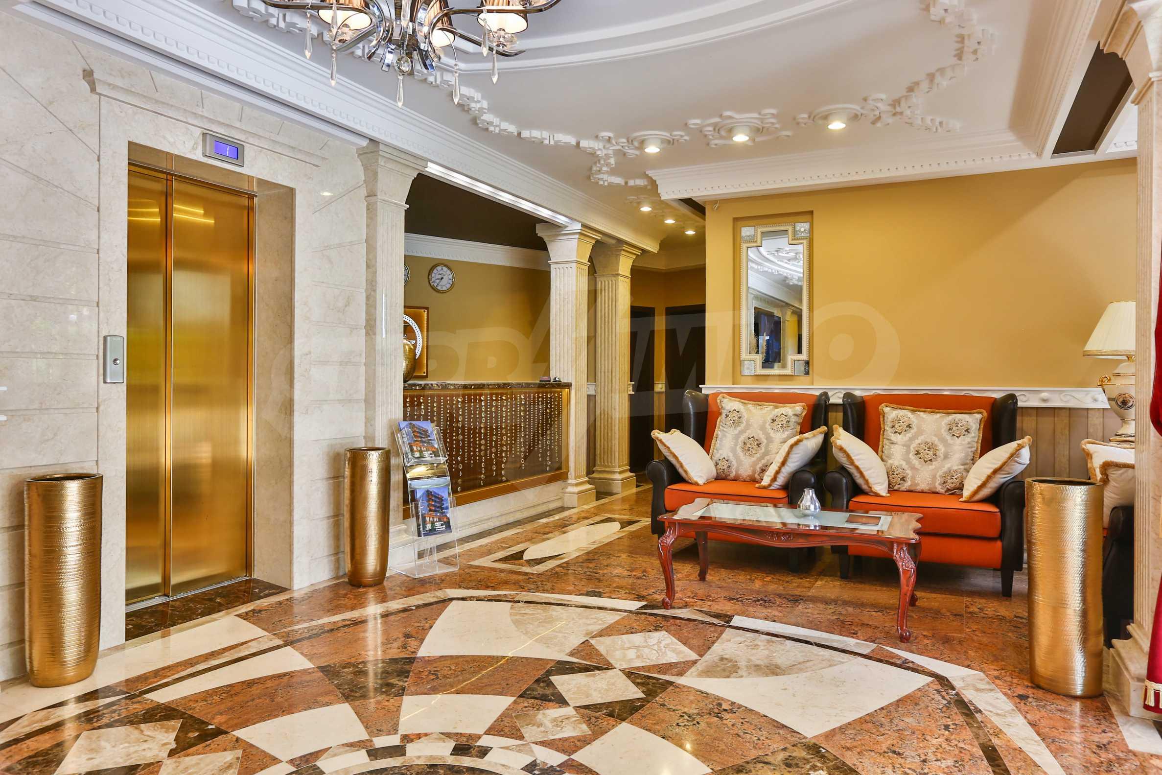 Дизайнерски тристаен апартамент под наем за летен сезон в резиденция Belle Époque в Лозенец 35