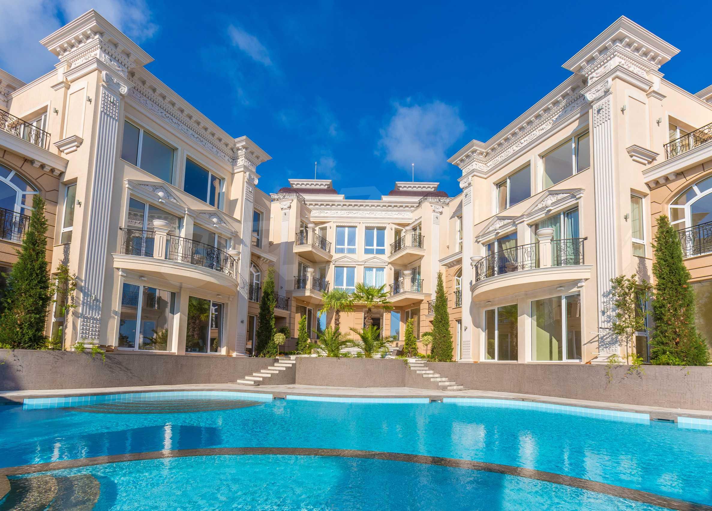 Дизайнерски тристаен апартамент под наем за летен сезон в резиденция Belle Époque в Лозенец 36