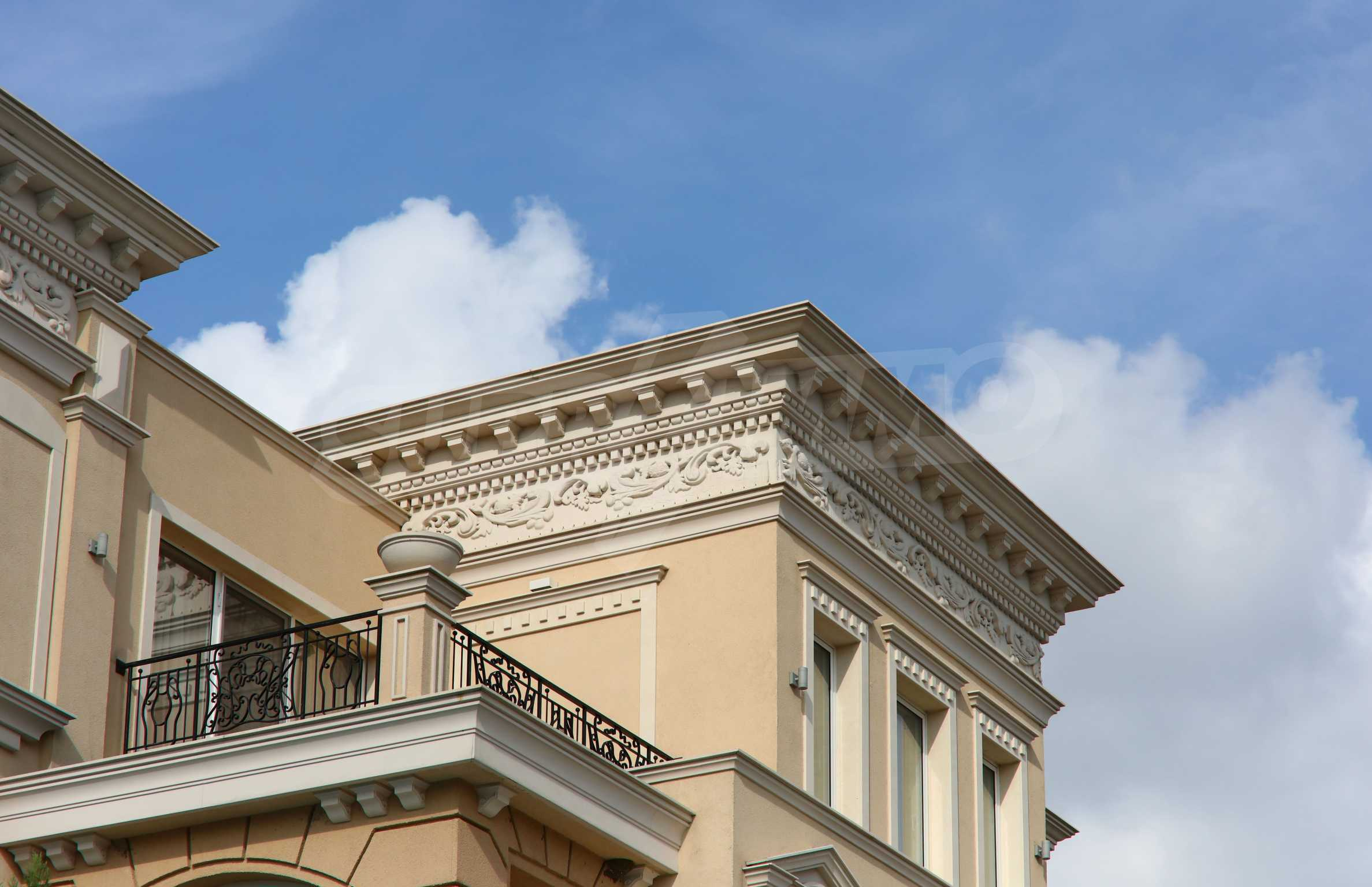 Дизайнерски тристаен апартамент под наем за летен сезон в резиденция Belle Époque в Лозенец 40