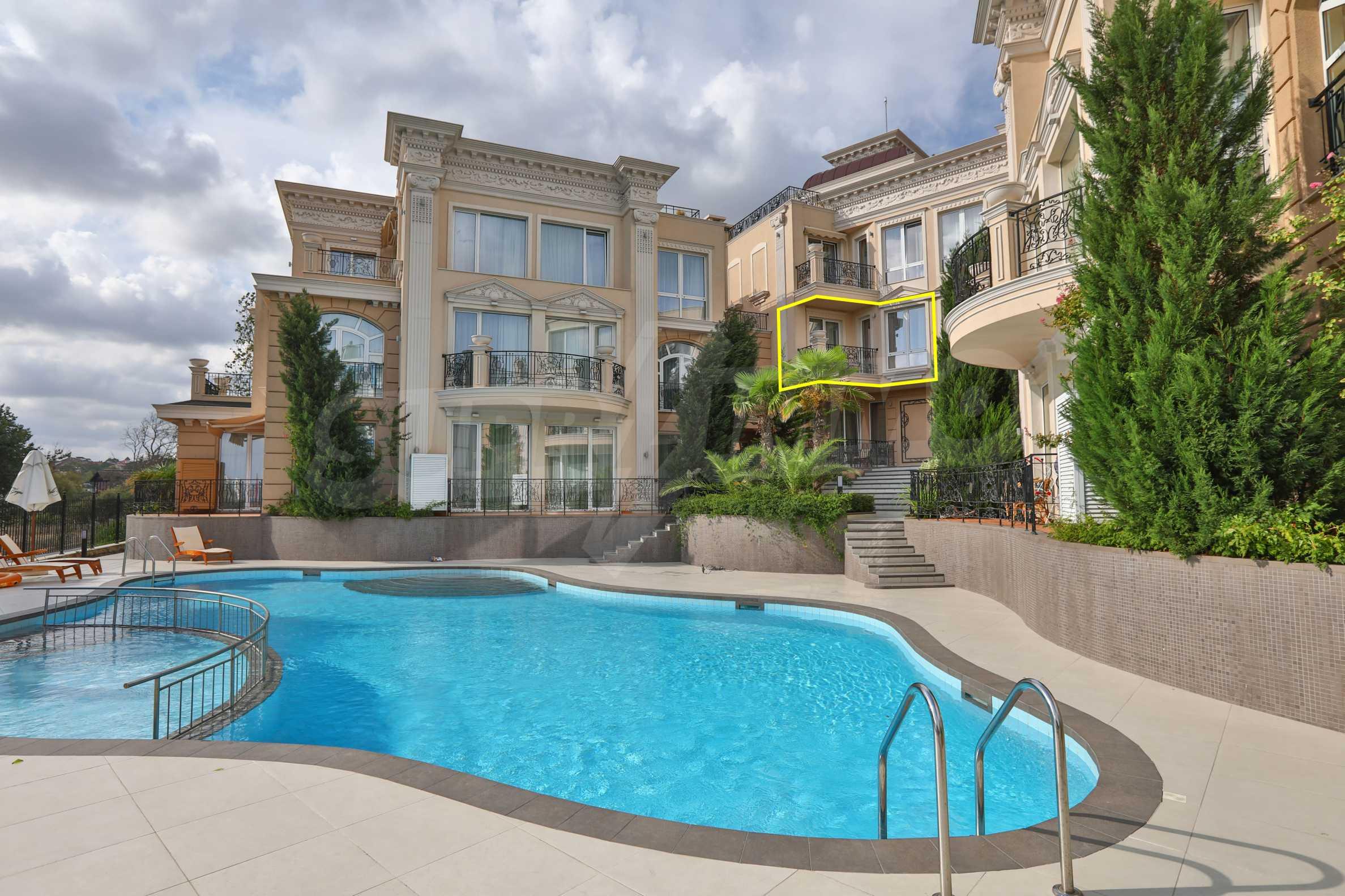 Дизайнерски тристаен апартамент под наем за летен сезон в резиденция Belle Époque в Лозенец 45
