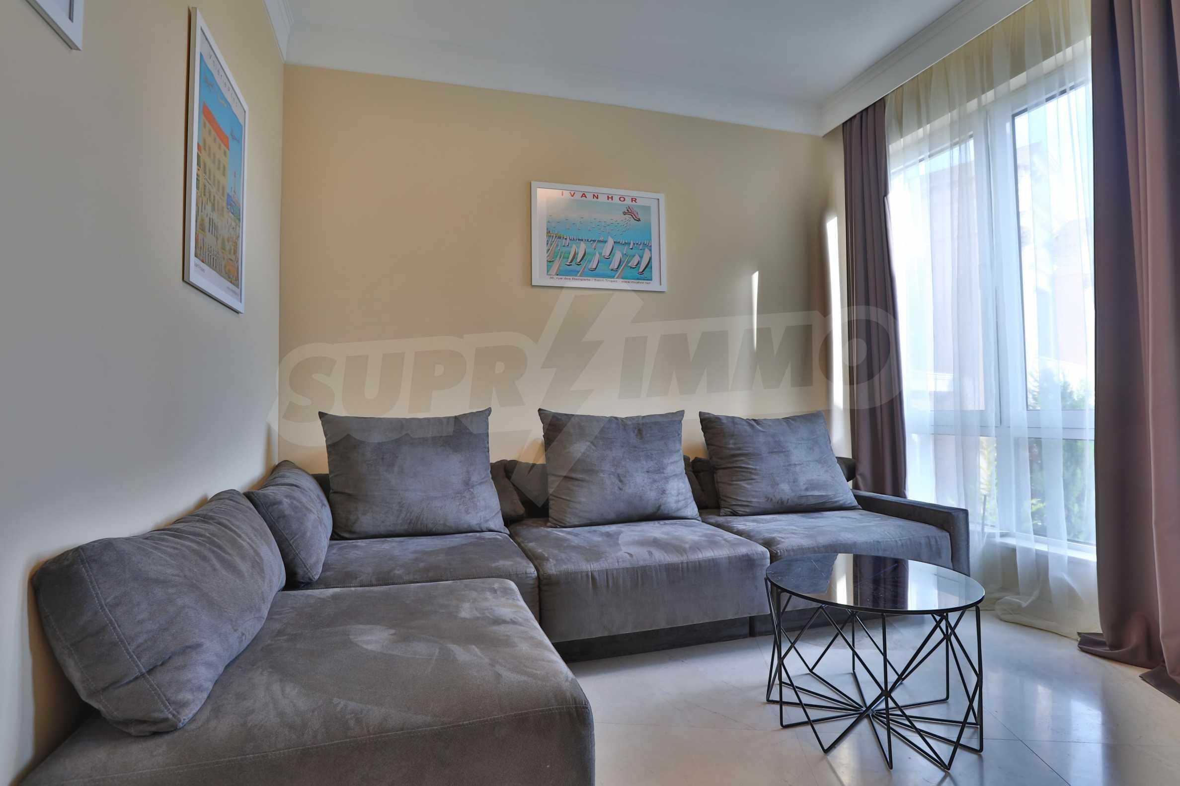 Дизайнерски тристаен апартамент под наем за летен сезон в резиденция Belle Époque в Лозенец 7