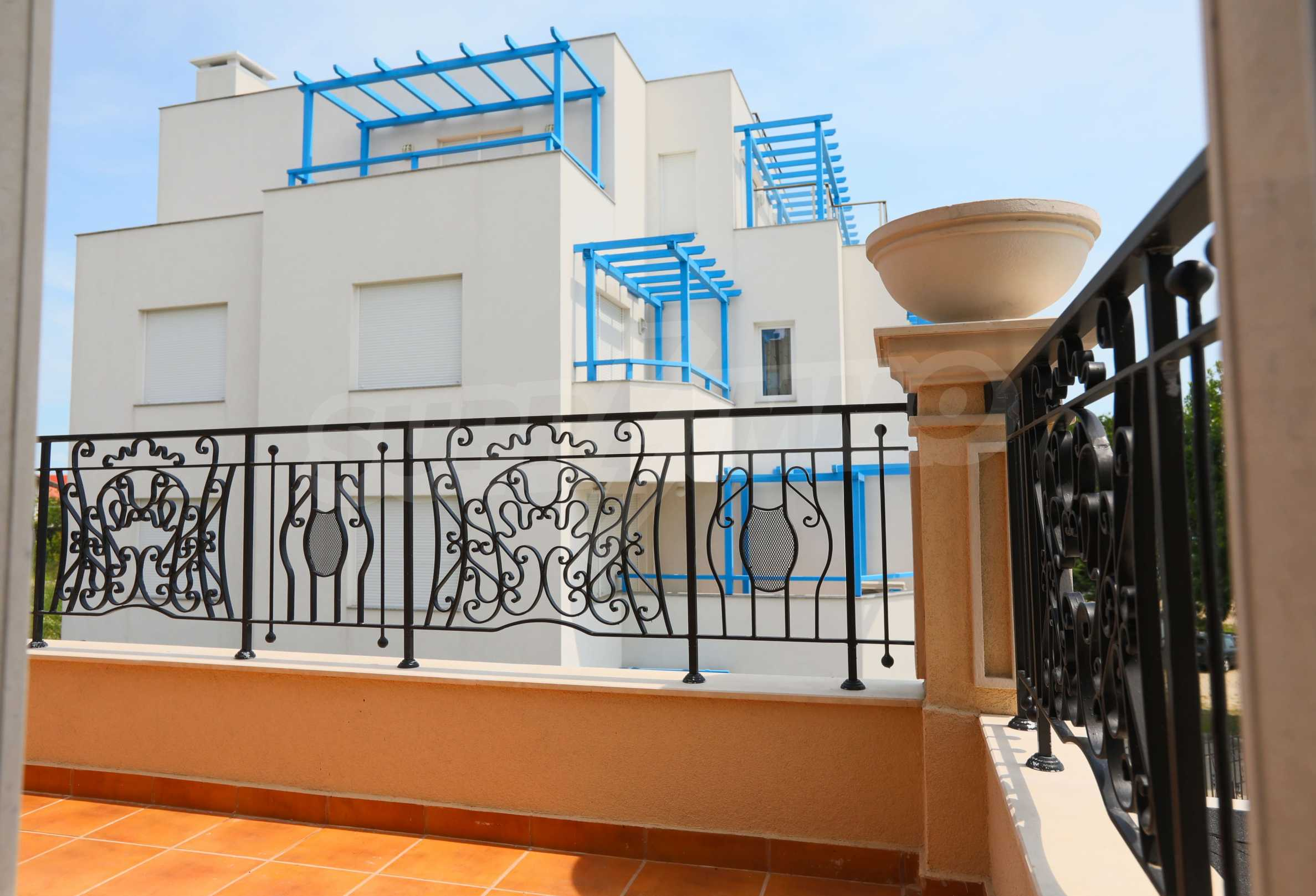Комфортен двустаен апартамент под наем в Belle Époque Beach Residence, курорт Лозенец 17