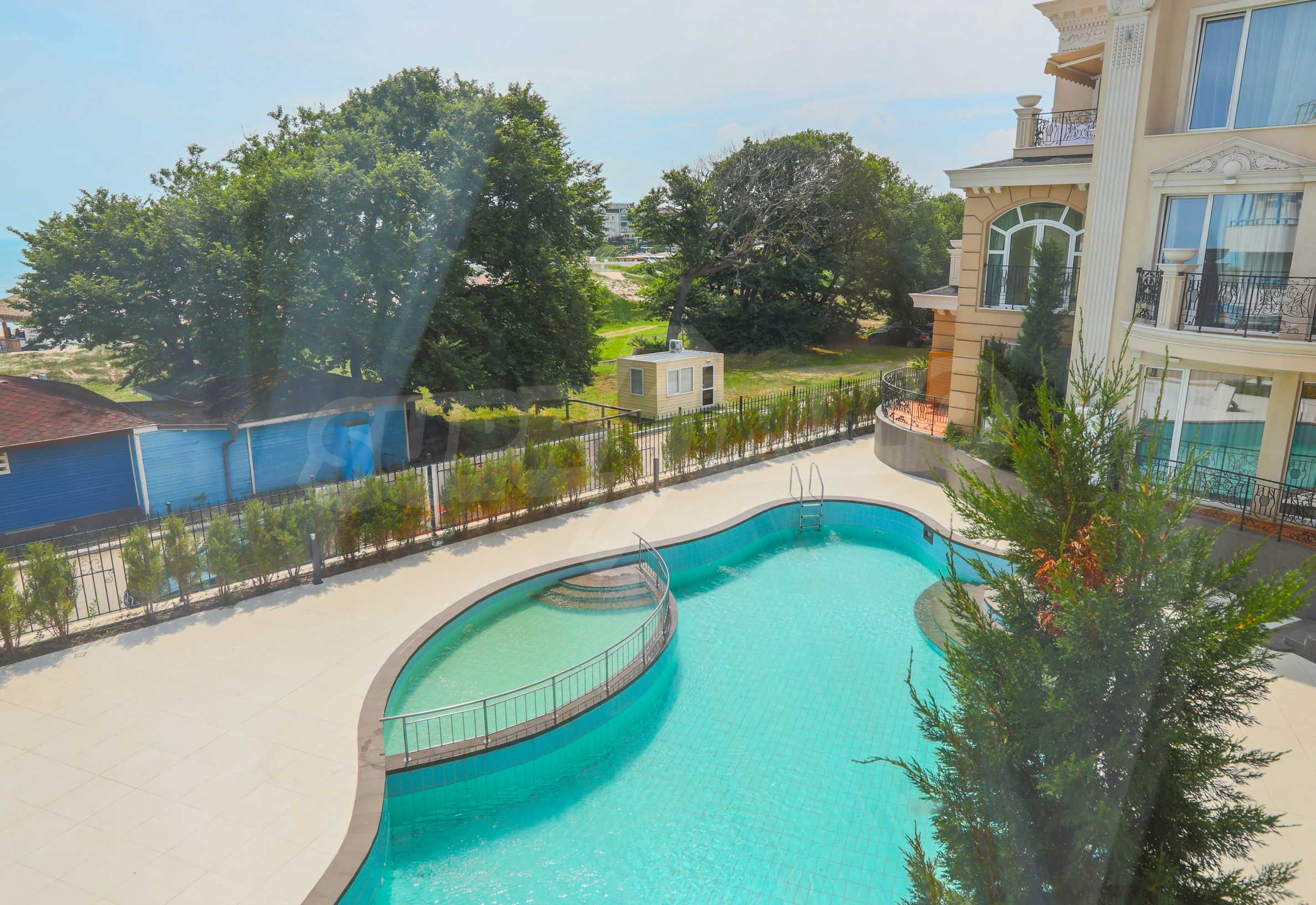Комфортен двустаен апартамент под наем в Belle Époque Beach Residence, курорт Лозенец 1