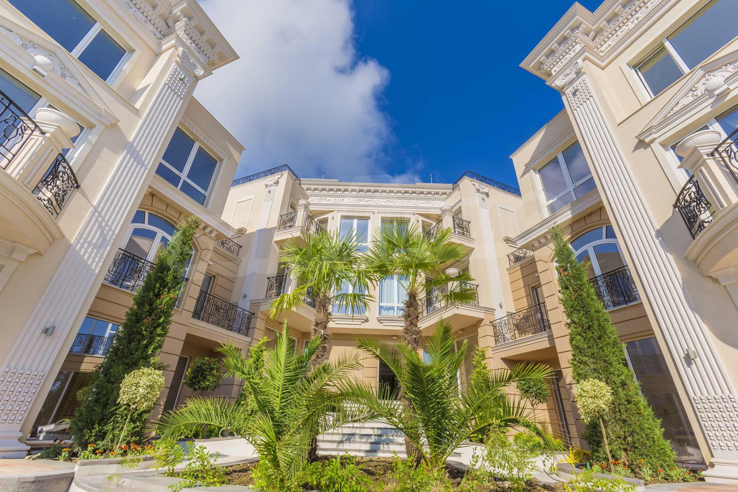 Комфортен двустаен апартамент под наем в Belle Époque Beach Residence, курорт Лозенец 32