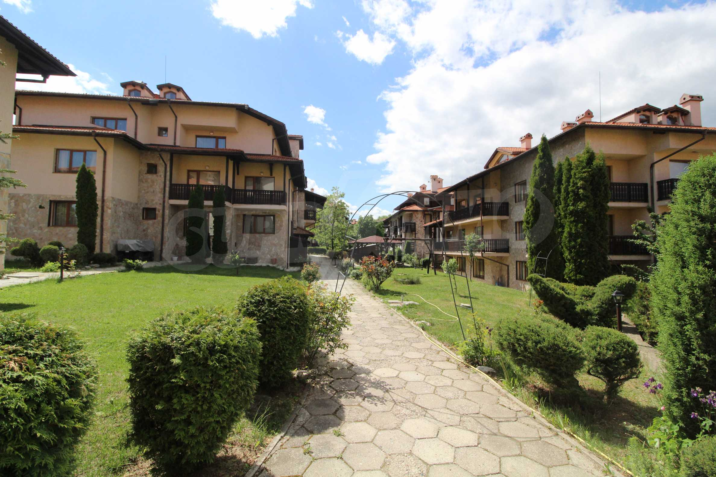 Furnished two-bedroom apartment located in Top Lodge complex, just meters from the ski lift in Bansko 11