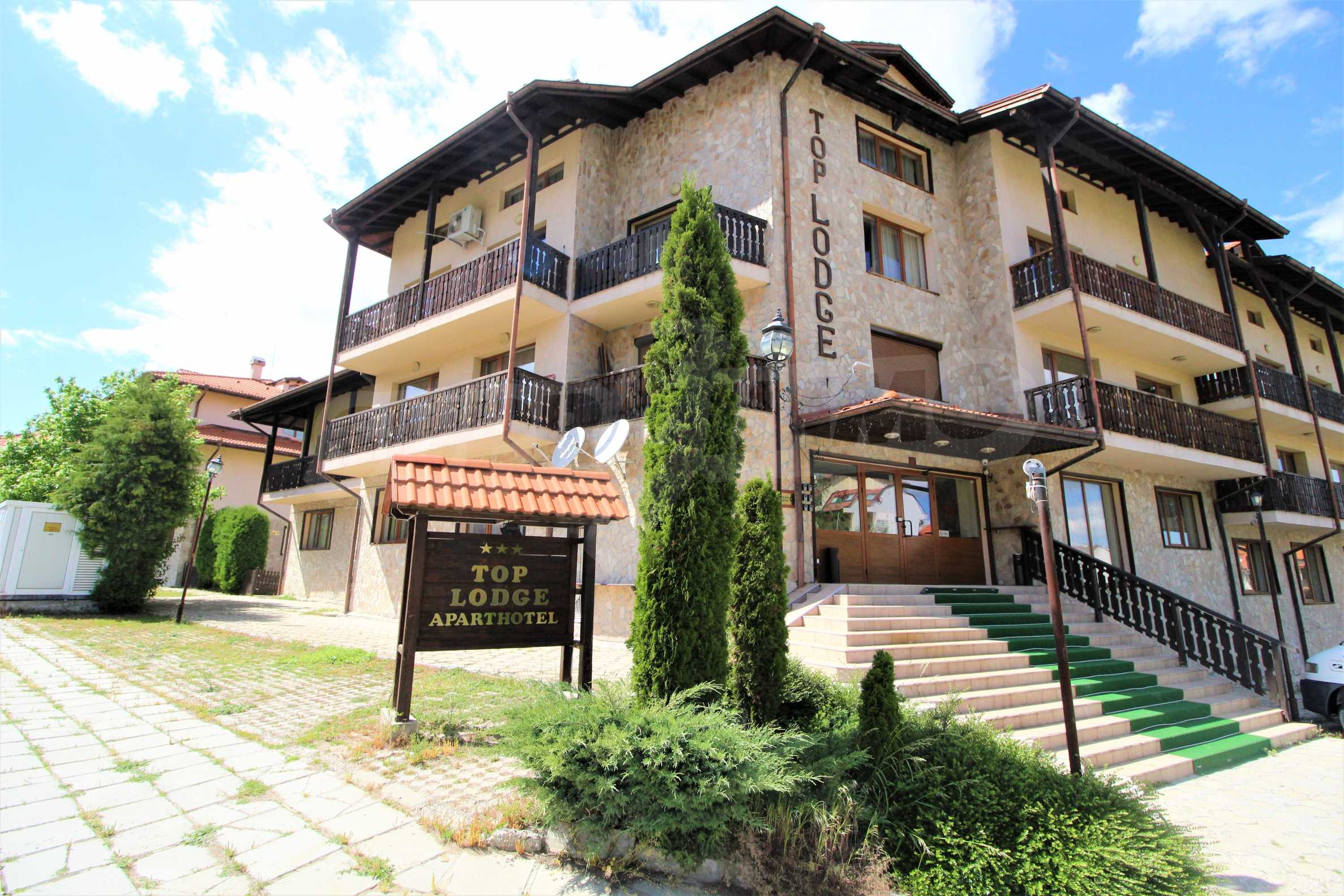 Furnished two-bedroom apartment located in Top Lodge complex, just meters from the ski lift in Bansko 14