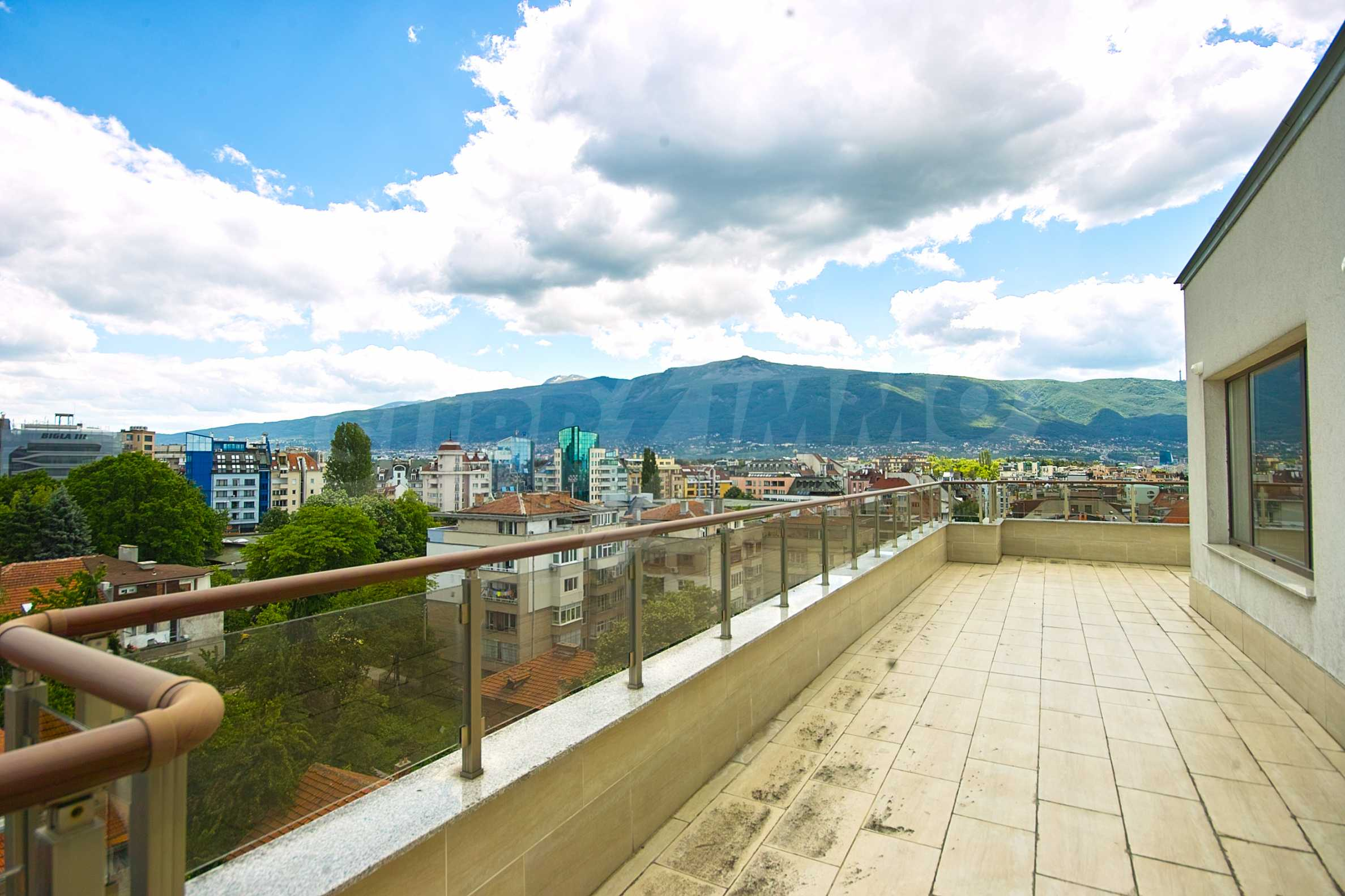 Brand new penthouse with three bedrooms and exceptional panoramic views in Lozenets 12