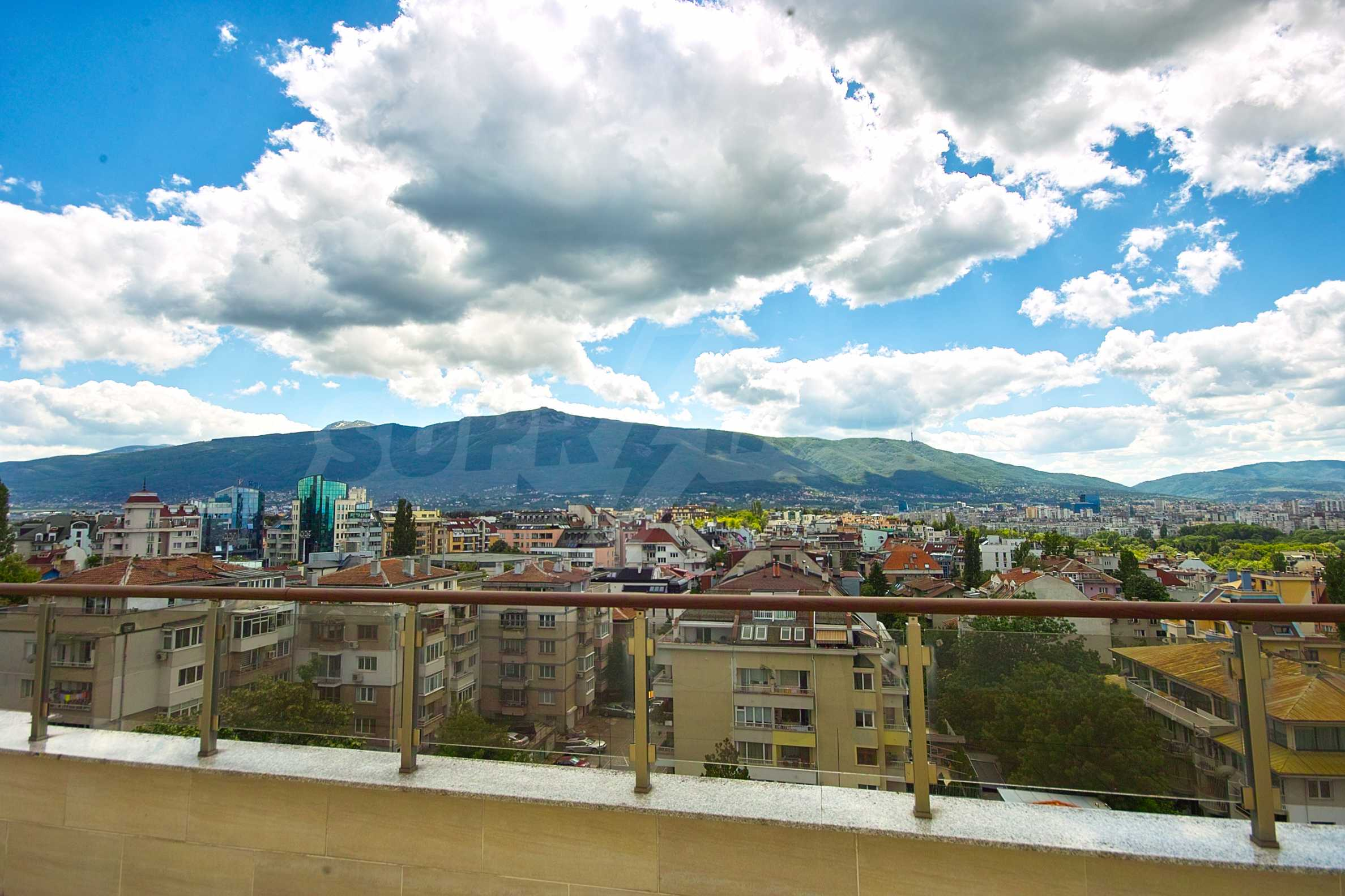 Brand new penthouse with three bedrooms and exceptional panoramic views in Lozenets 13
