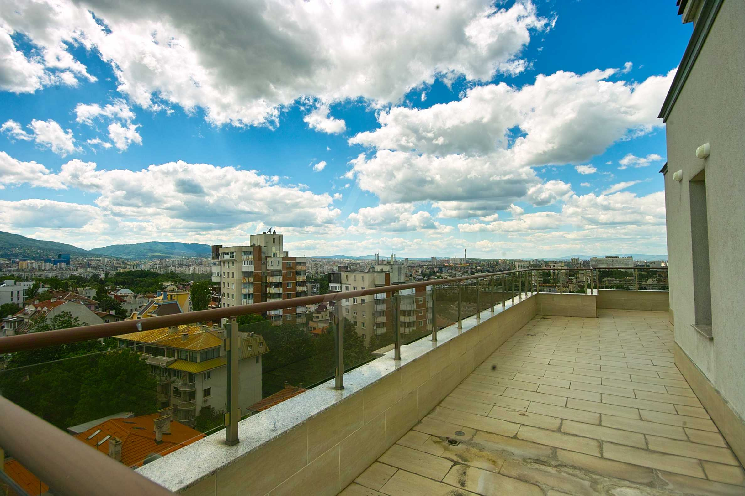 Brand new penthouse with three bedrooms and exceptional panoramic views in Lozenets 16