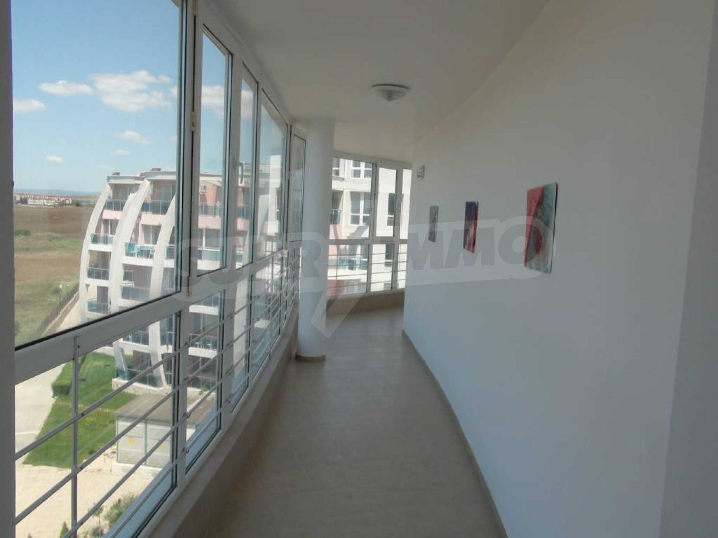 Large apartment with sea view in a complex near the villages of Ravda and Aheloy 25