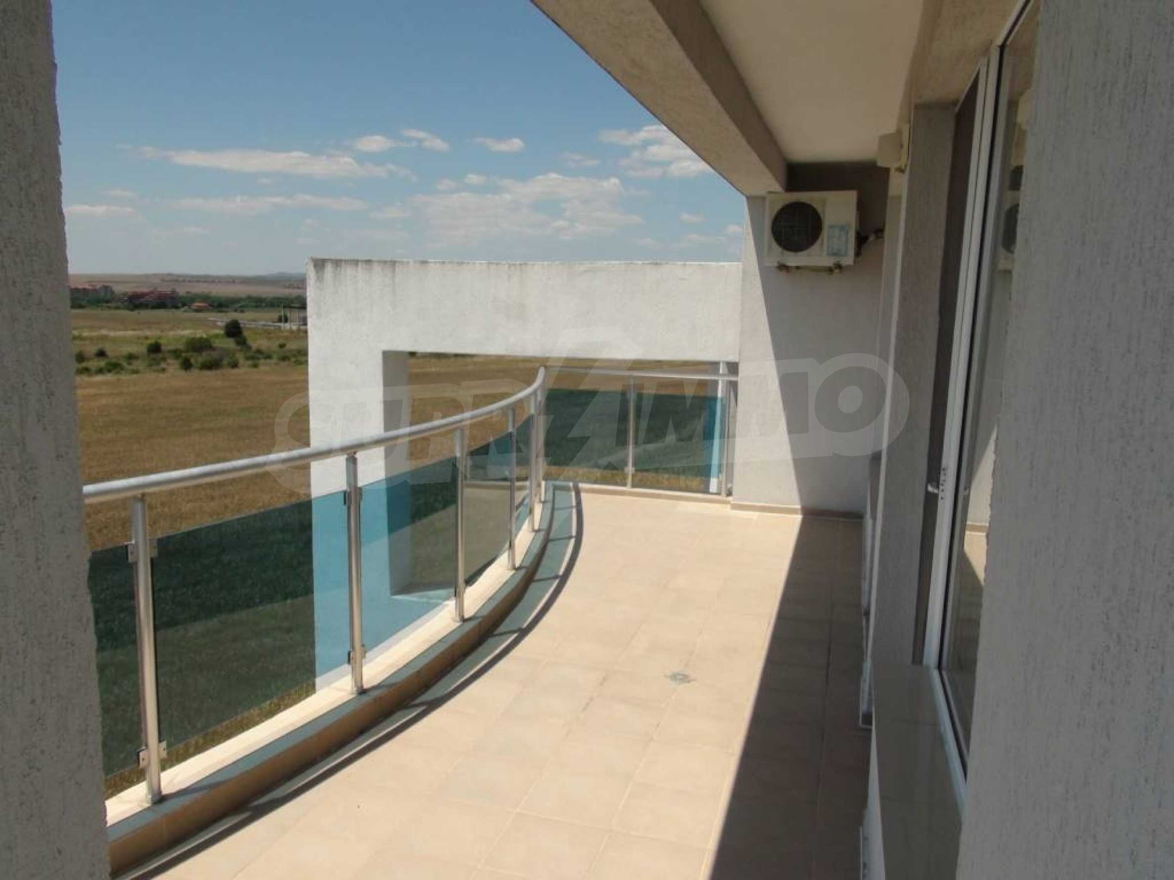 Large apartment with sea view in a complex near the villages of Ravda and Aheloy 32
