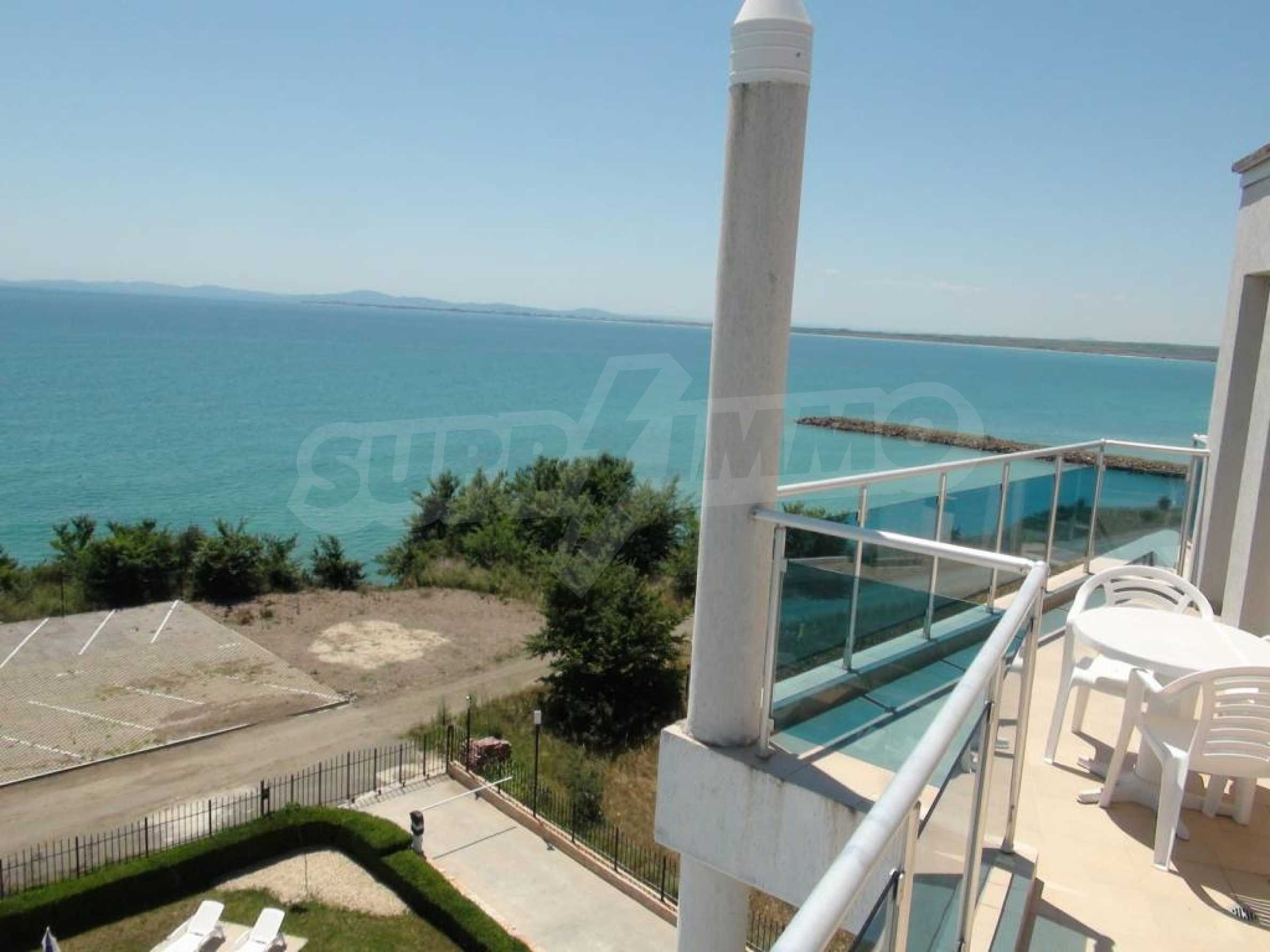 Large apartment with sea view in a complex near the villages of Ravda and Aheloy 5