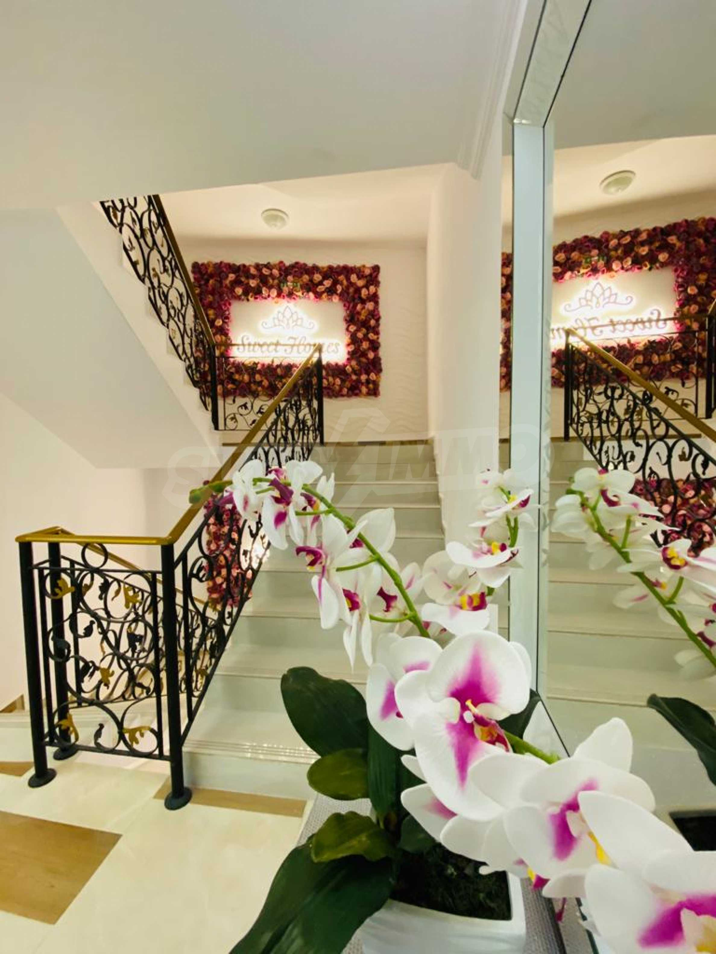 One-bedroom turnkey apartment in an elegant complex near the park and the sea 19