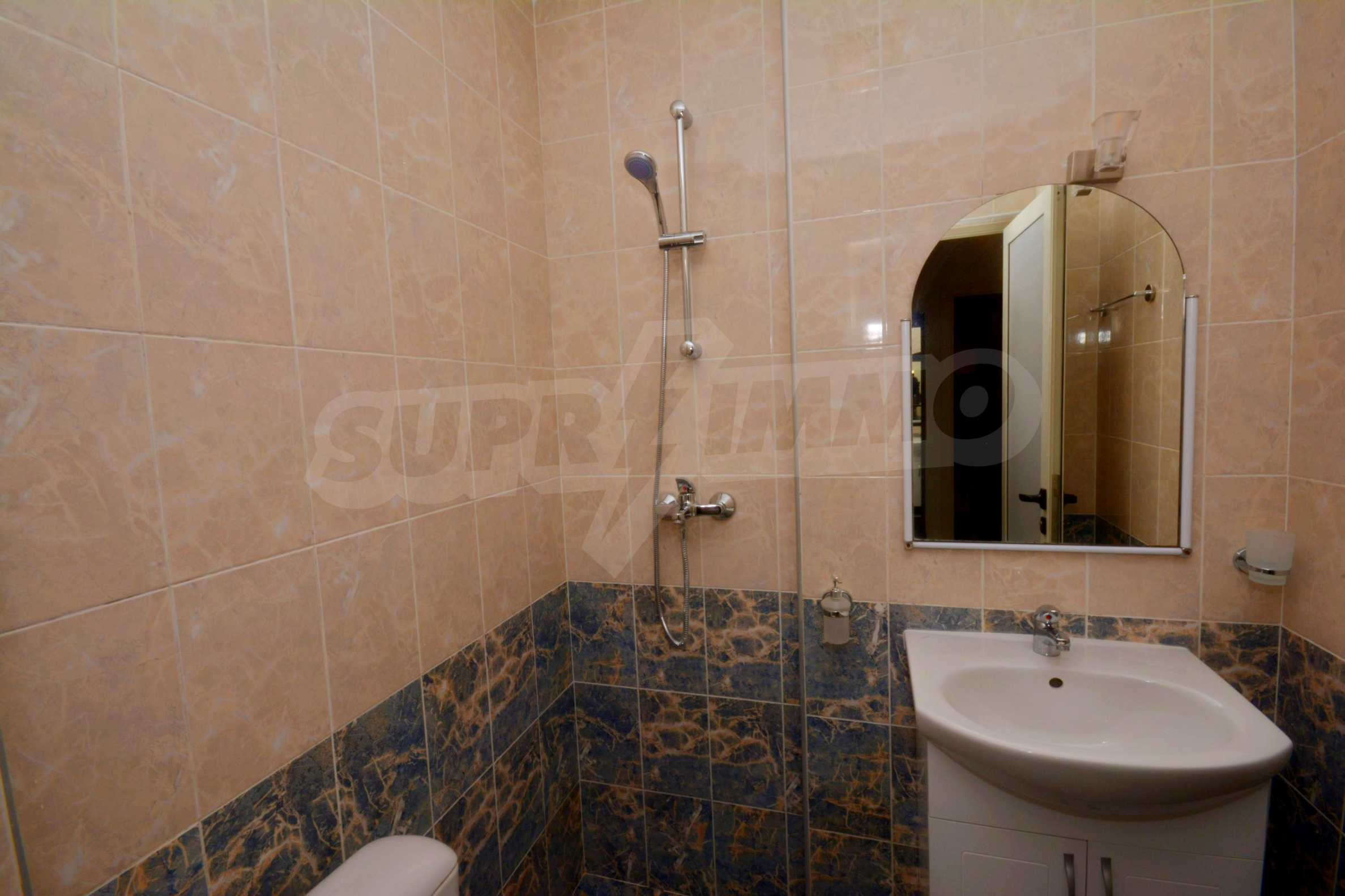 Многостаен апартамент до Гранд Хотел Пловдив 13