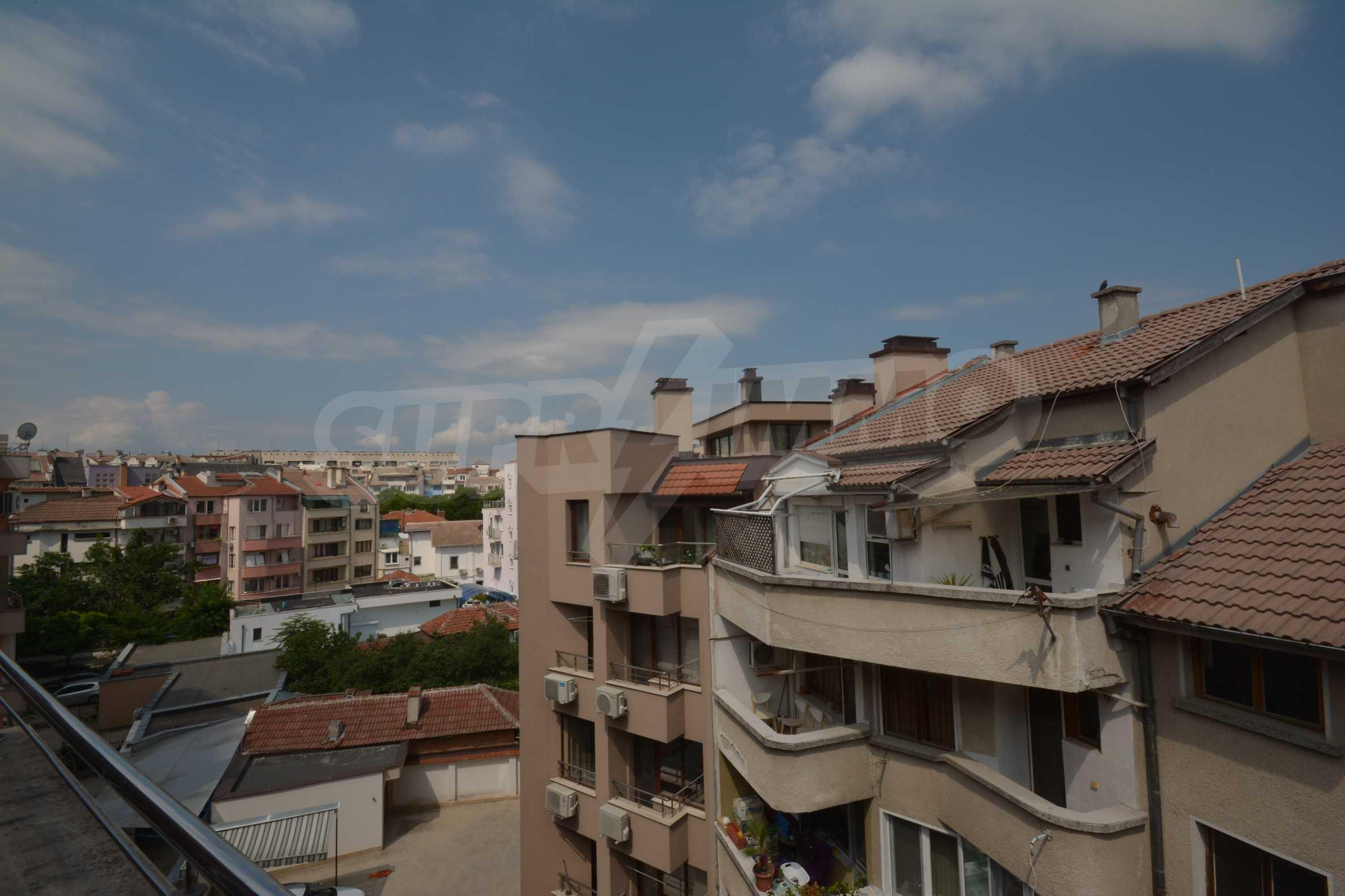 Многостаен апартамент до Гранд Хотел Пловдив 17