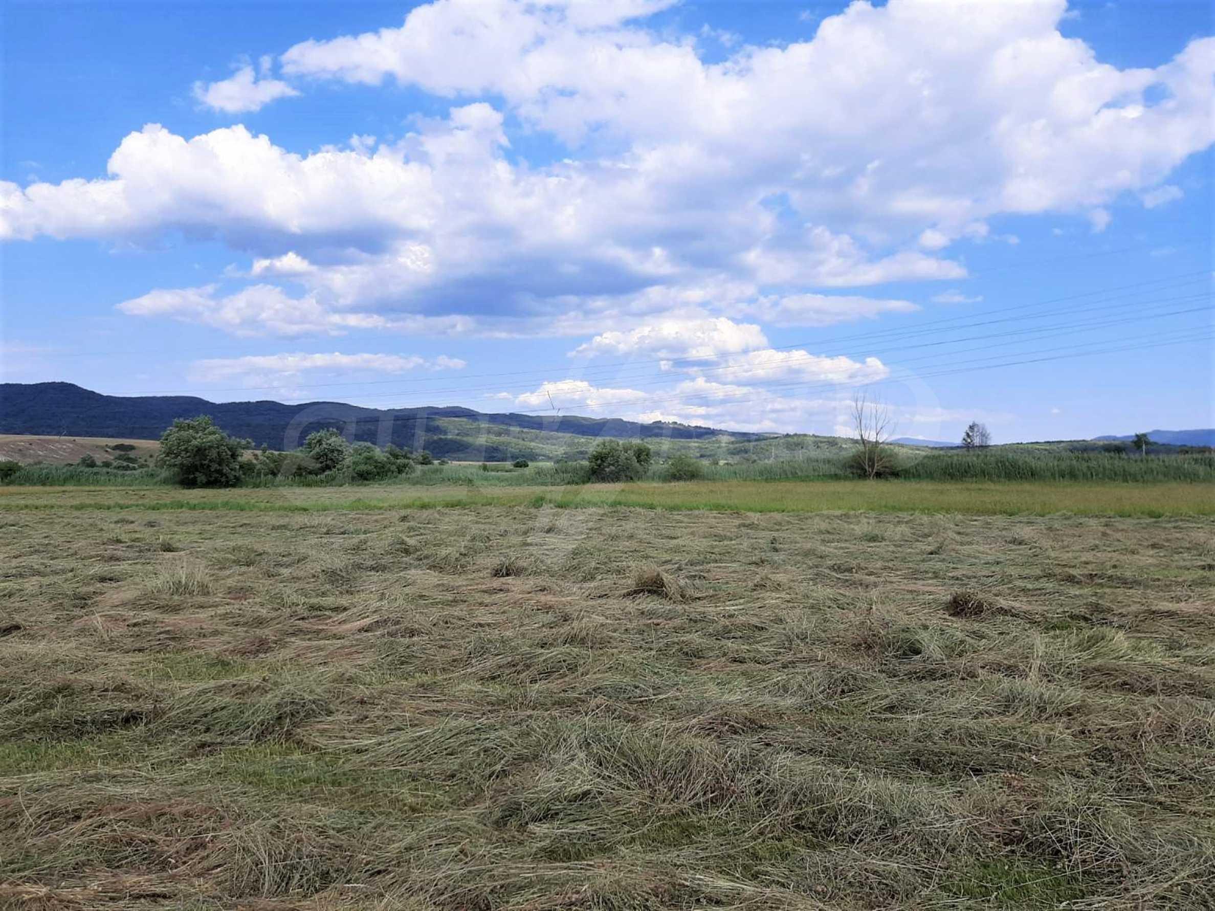 Земеделска земя за продажба, разположена в близост до ски курорта Банско 3