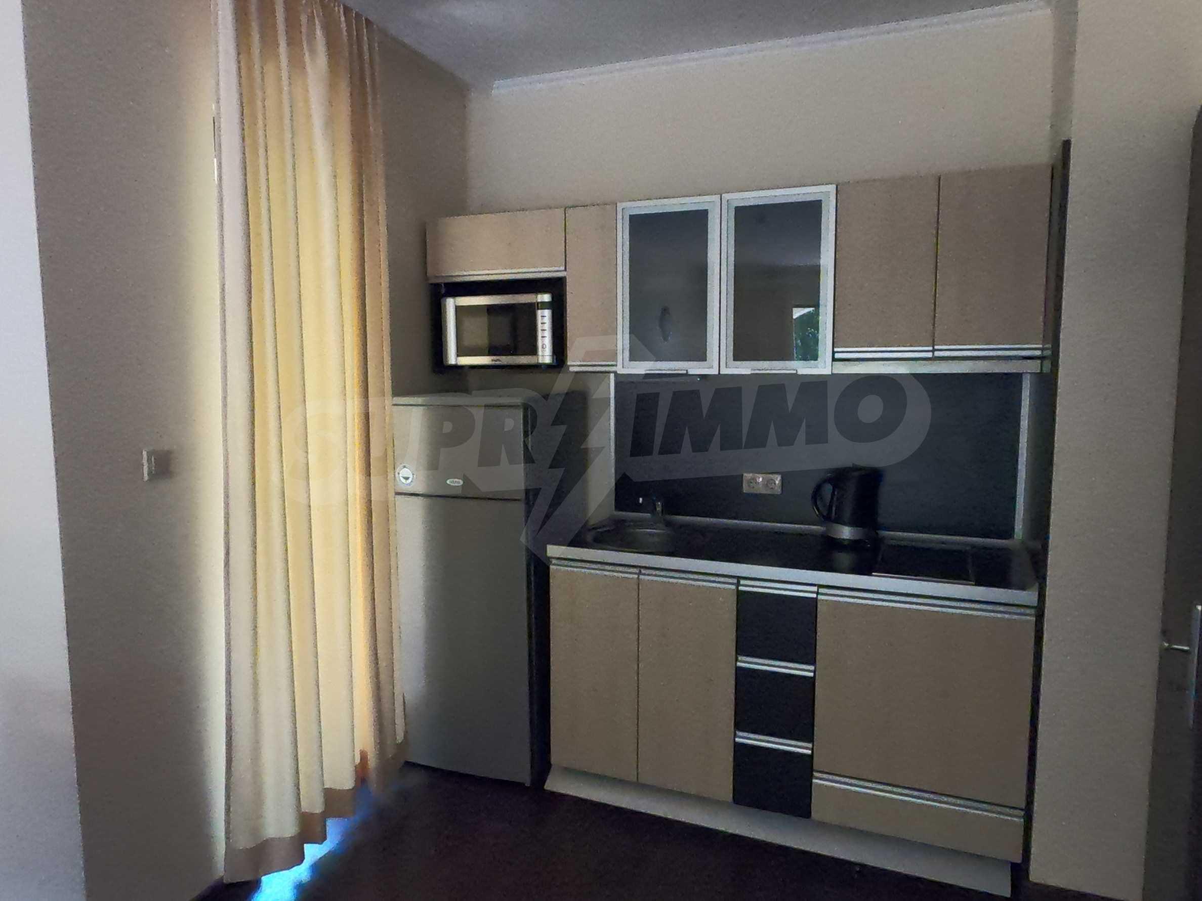 Просторен обзаведен двустаен апартамент в к.к Златни пясъци. 3