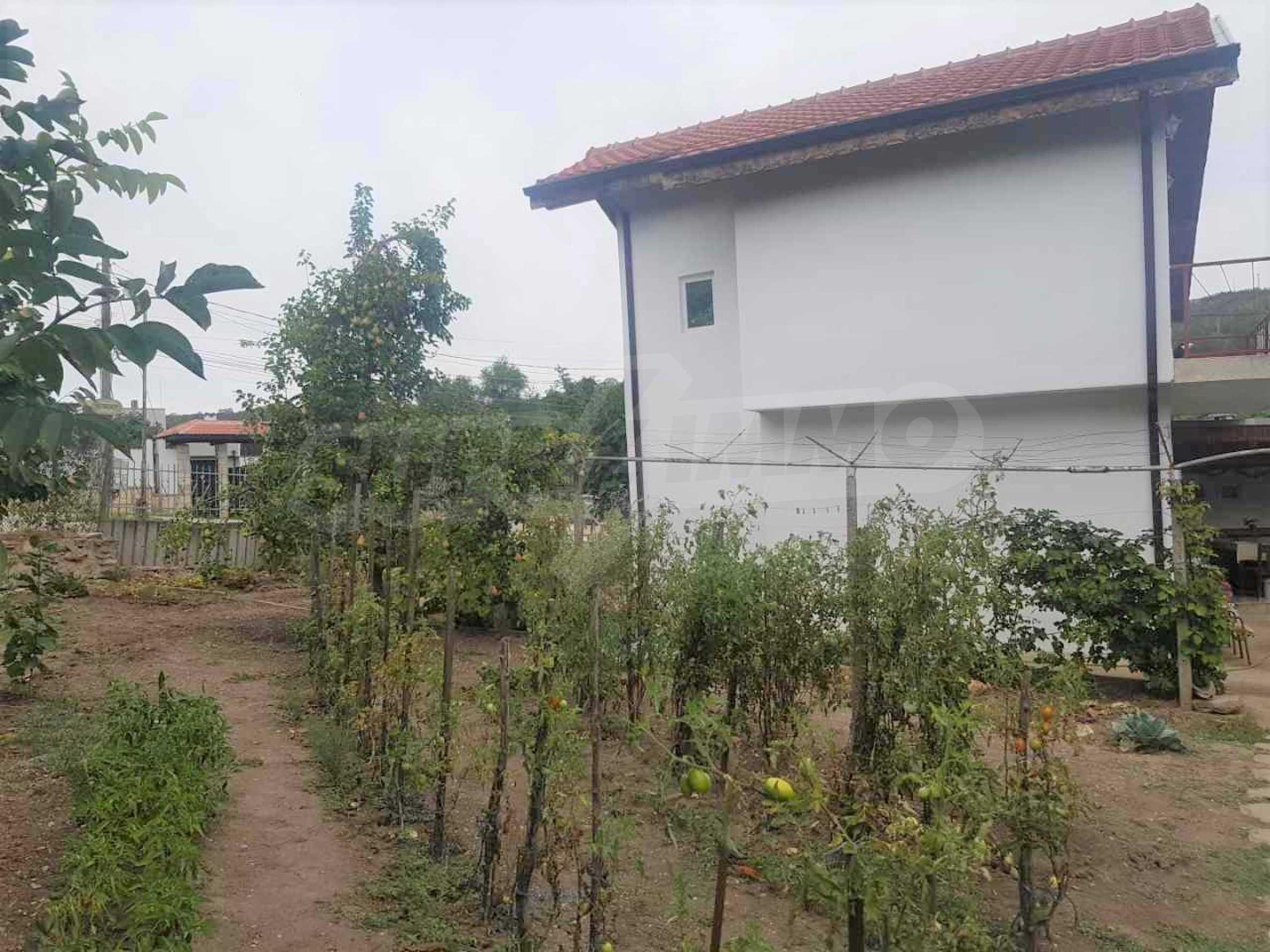 Къща с двор близо до морето в гр. Балчик
