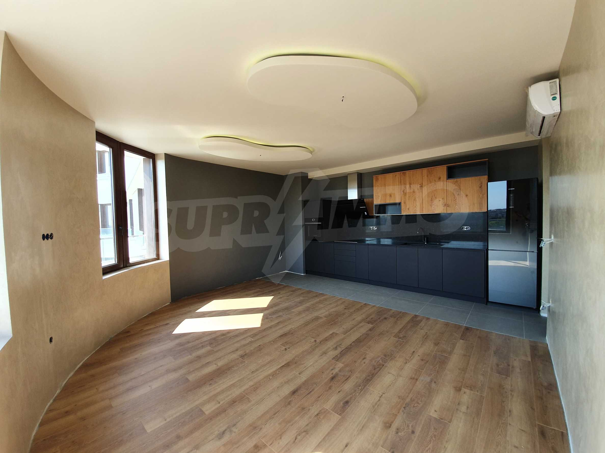 Panoramic two-bedroom apartment with views of the lake and Varna 2