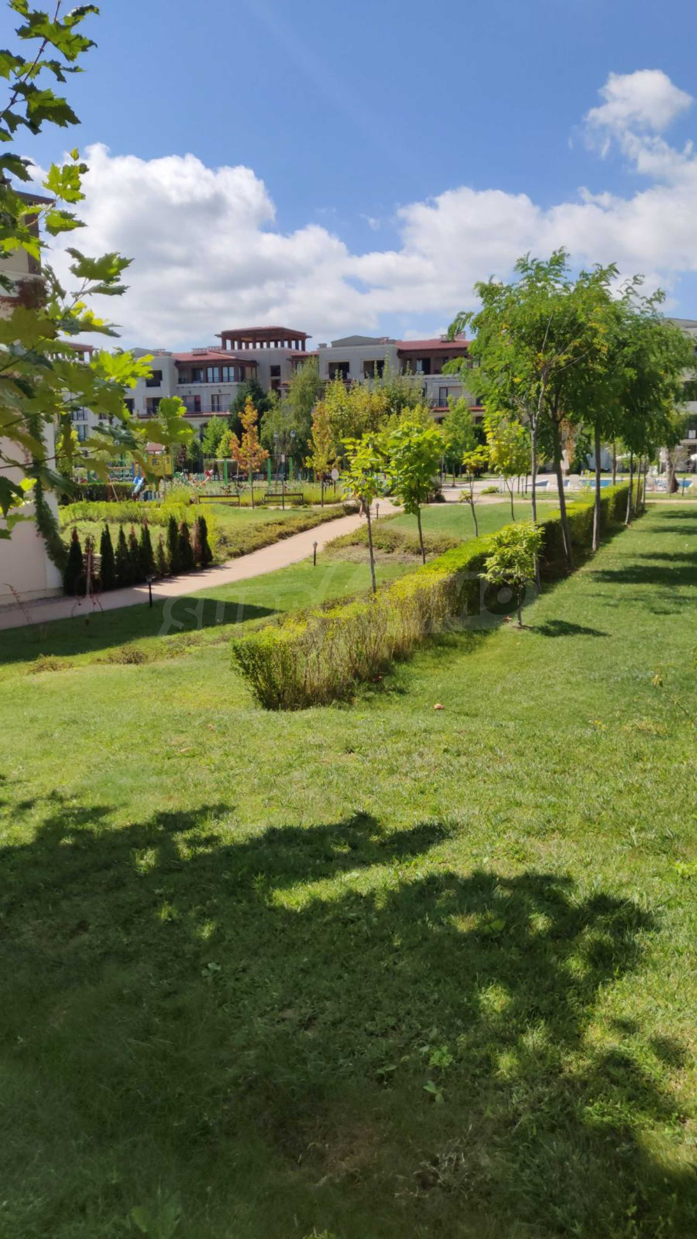 Fully furnished one-bedroom studio apartment in an elite complex in Kavatsite 9