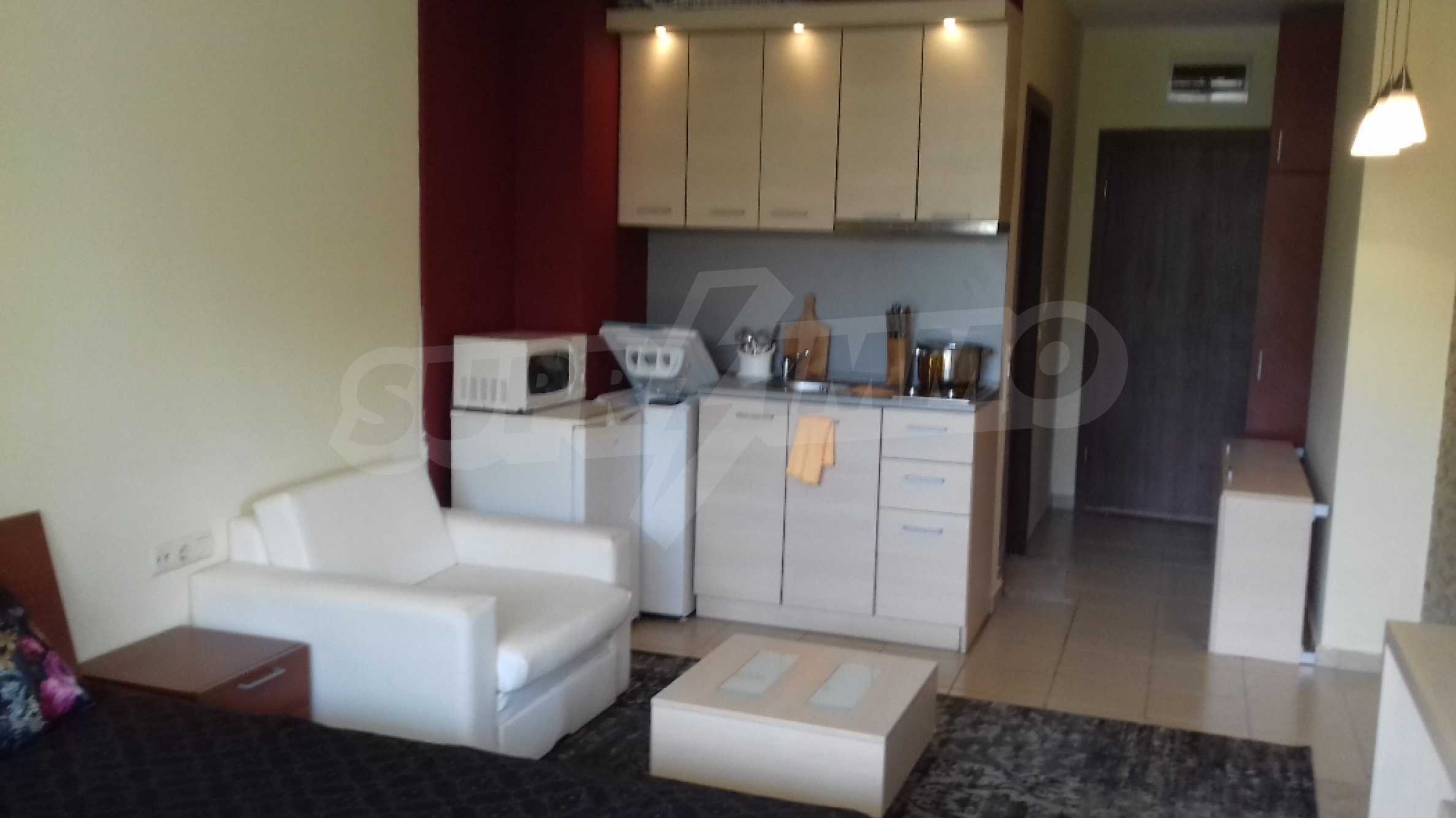 Fully furnished one-bedroom studio apartment in an elite complex in Kavatsite 2