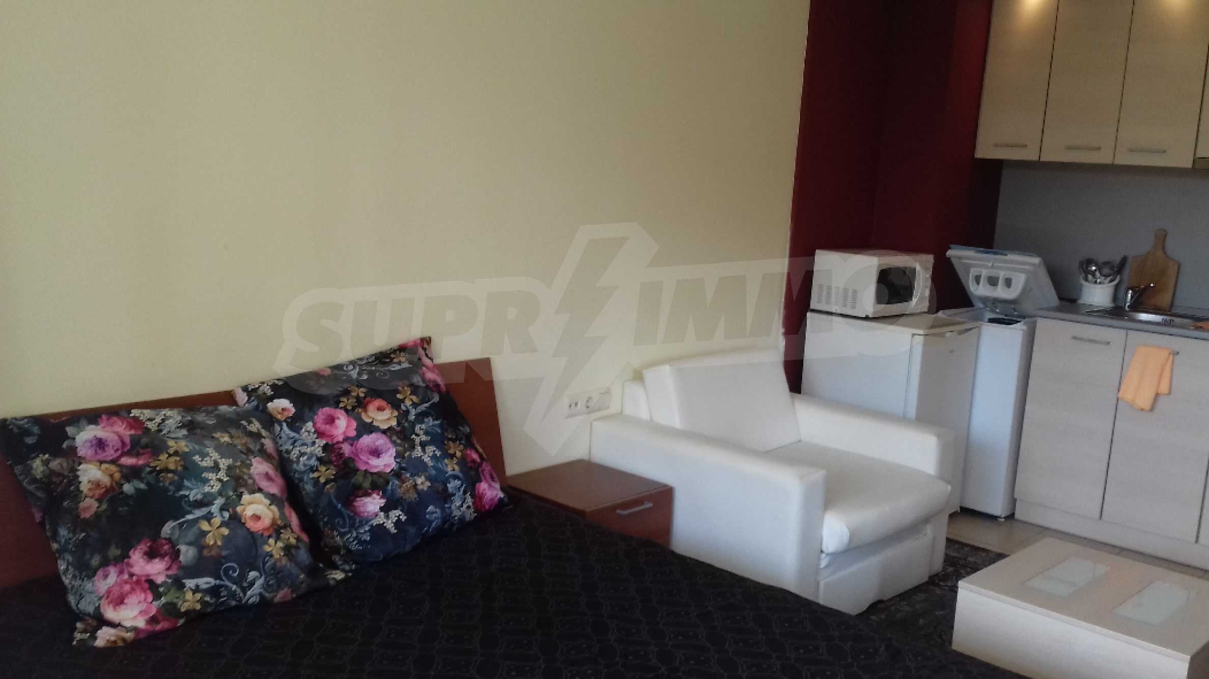 Fully furnished one-bedroom studio apartment in an elite complex in Kavatsite 3