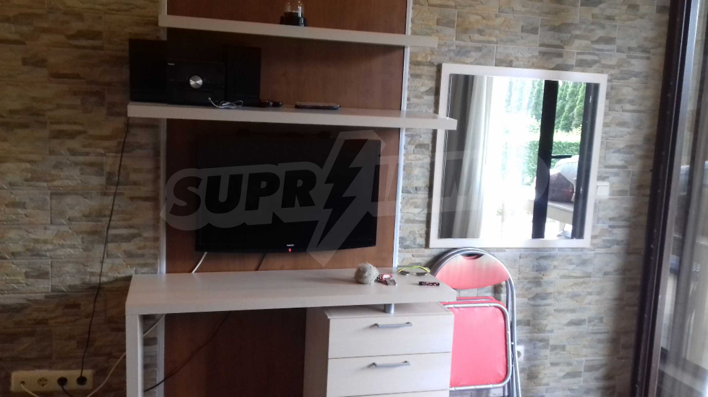 Fully furnished one-bedroom studio apartment in an elite complex in Kavatsite 5