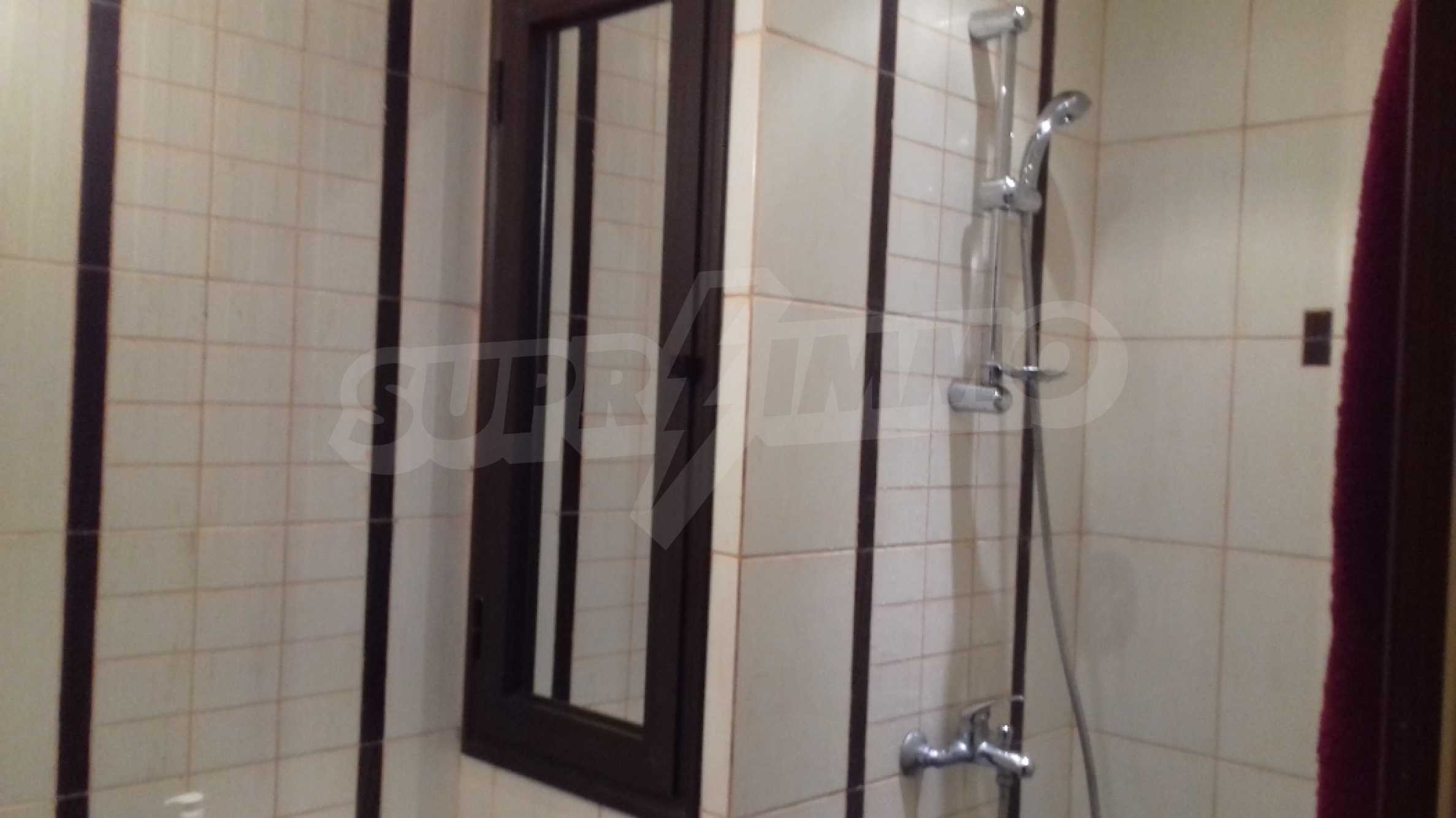 Fully furnished one-bedroom studio apartment in an elite complex in Kavatsite 8