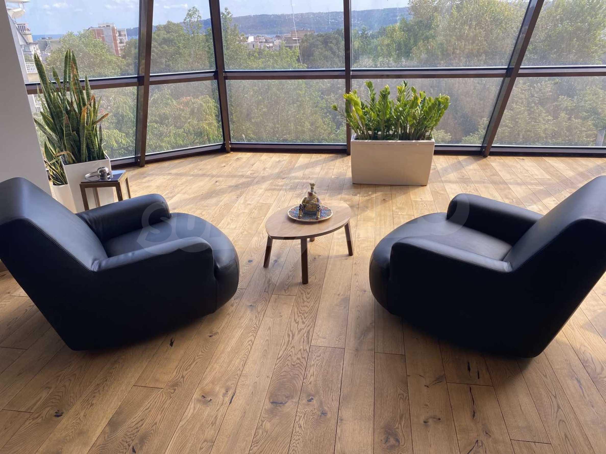 Пентхаус Diamond - дизайнерски имот с гледка море под наем в идеалния център 5