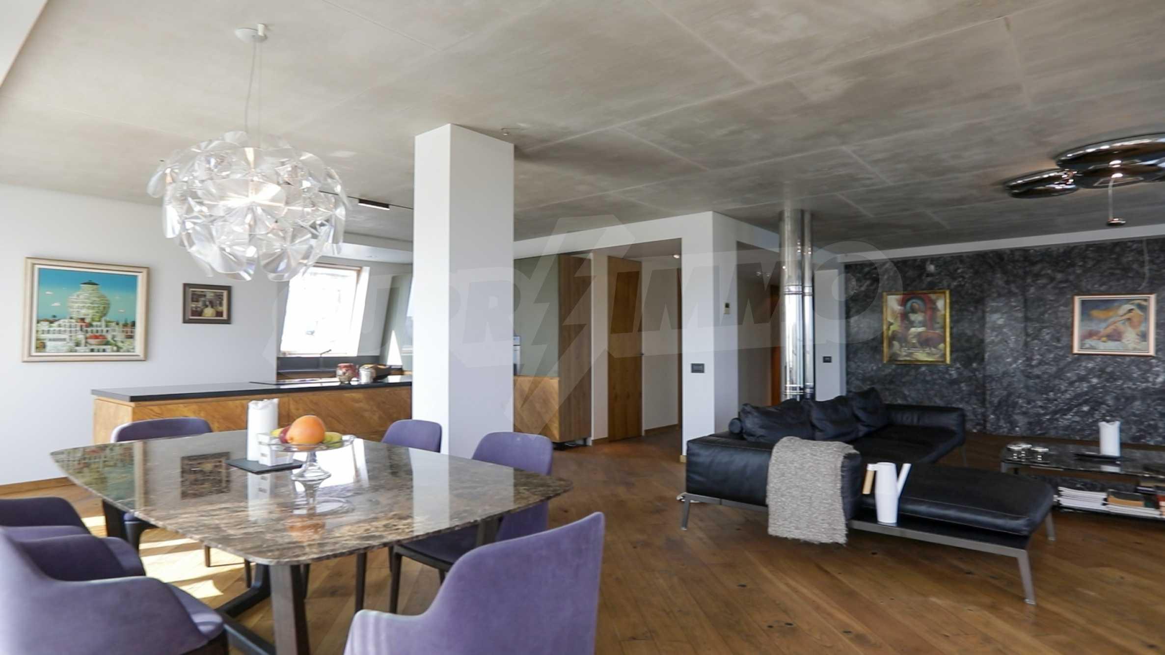 Пентхаус Diamond - дизайнерски имот с гледка море под наем в идеалния център 6