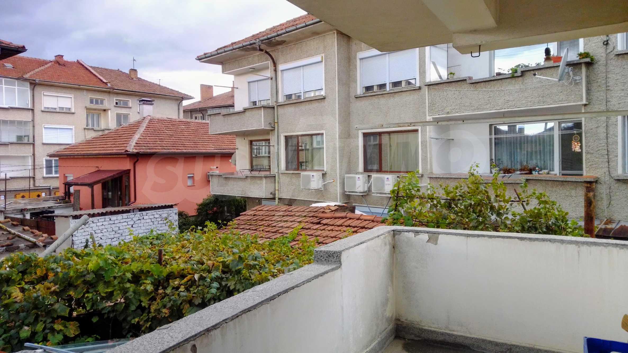 Етаж от къща с гараж в град Севлиево  1