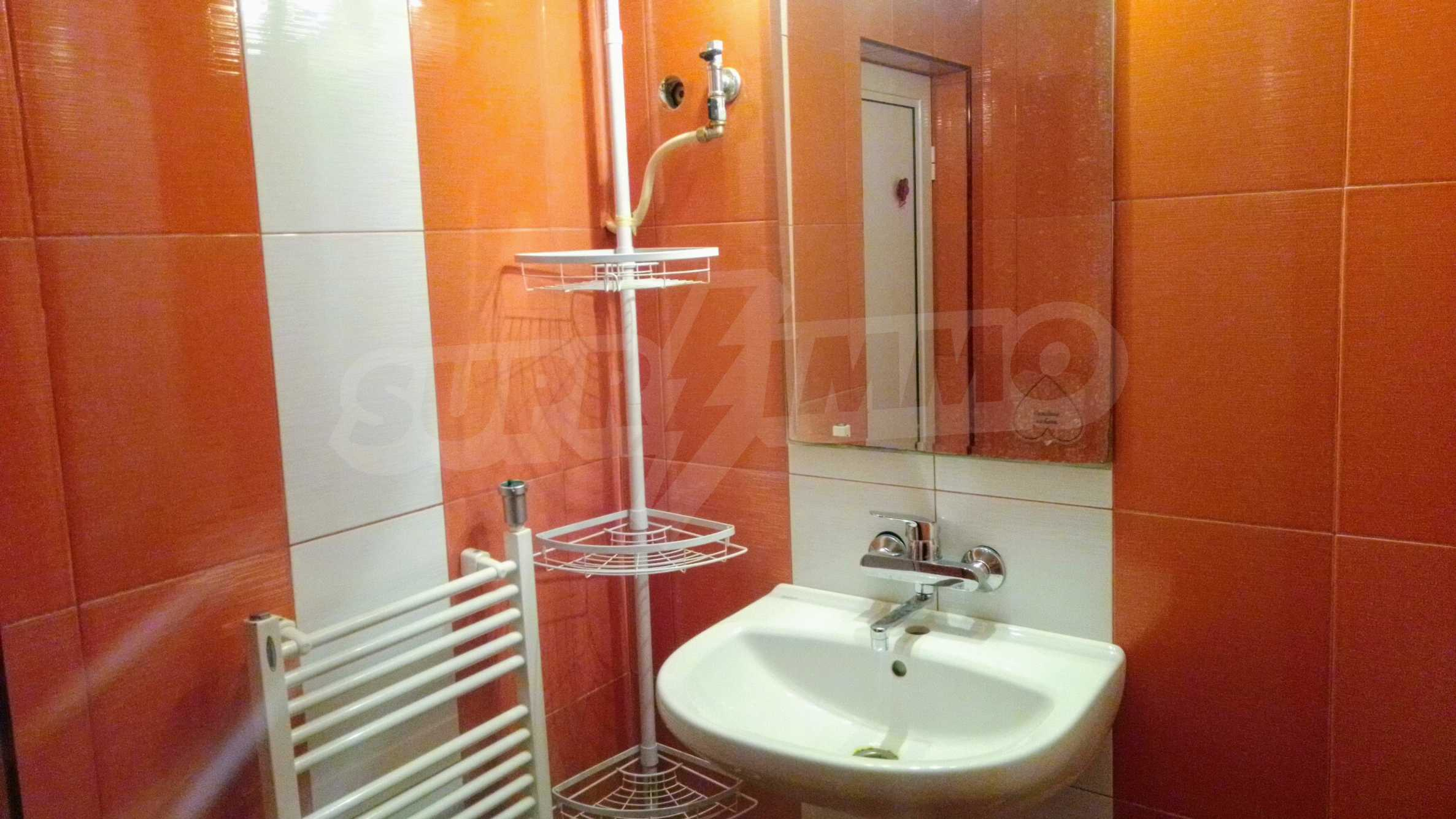 Слънчев тристаен апартамент в град Севлиево  10