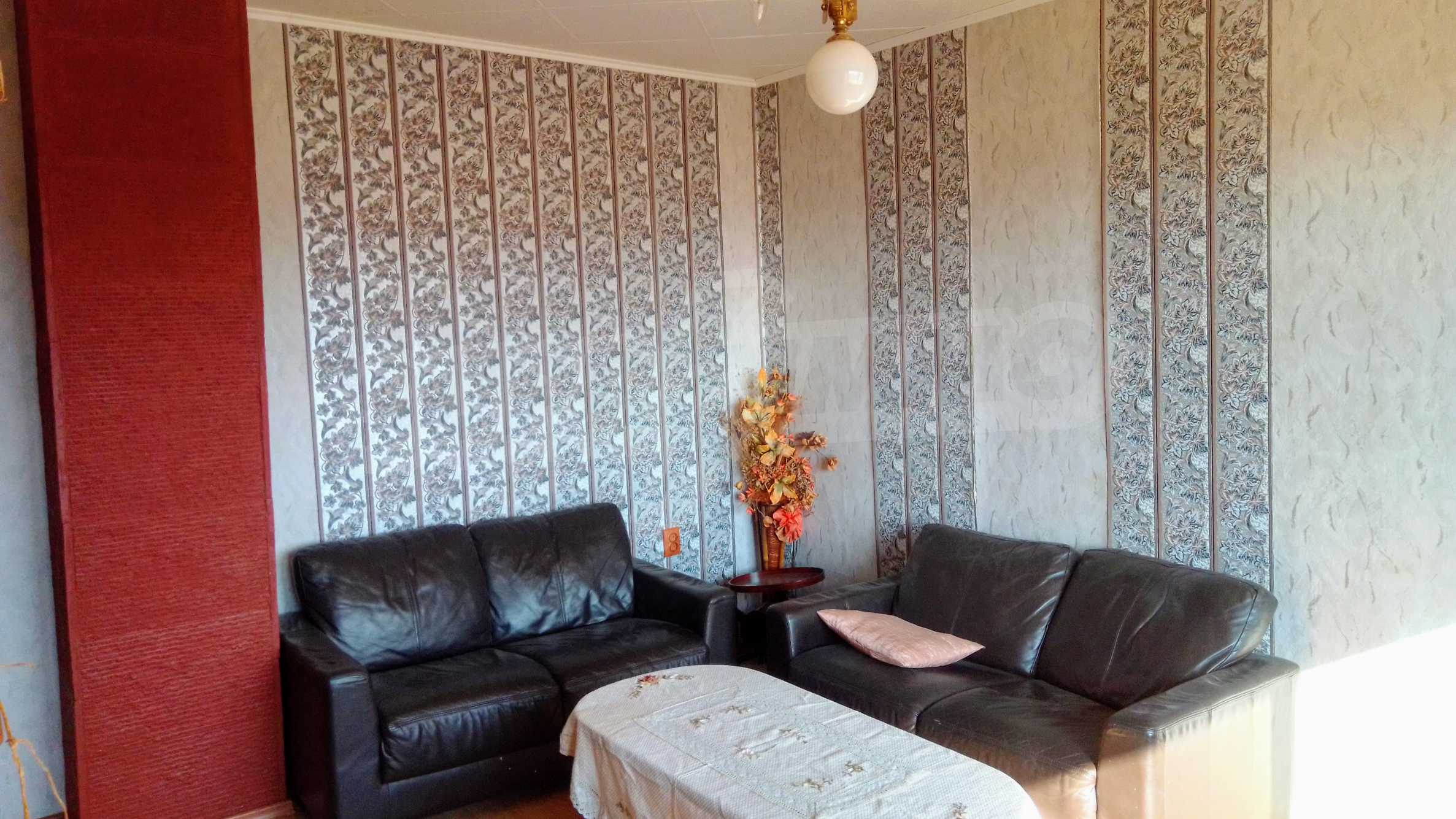 Слънчев тристаен апартамент в град Севлиево  2
