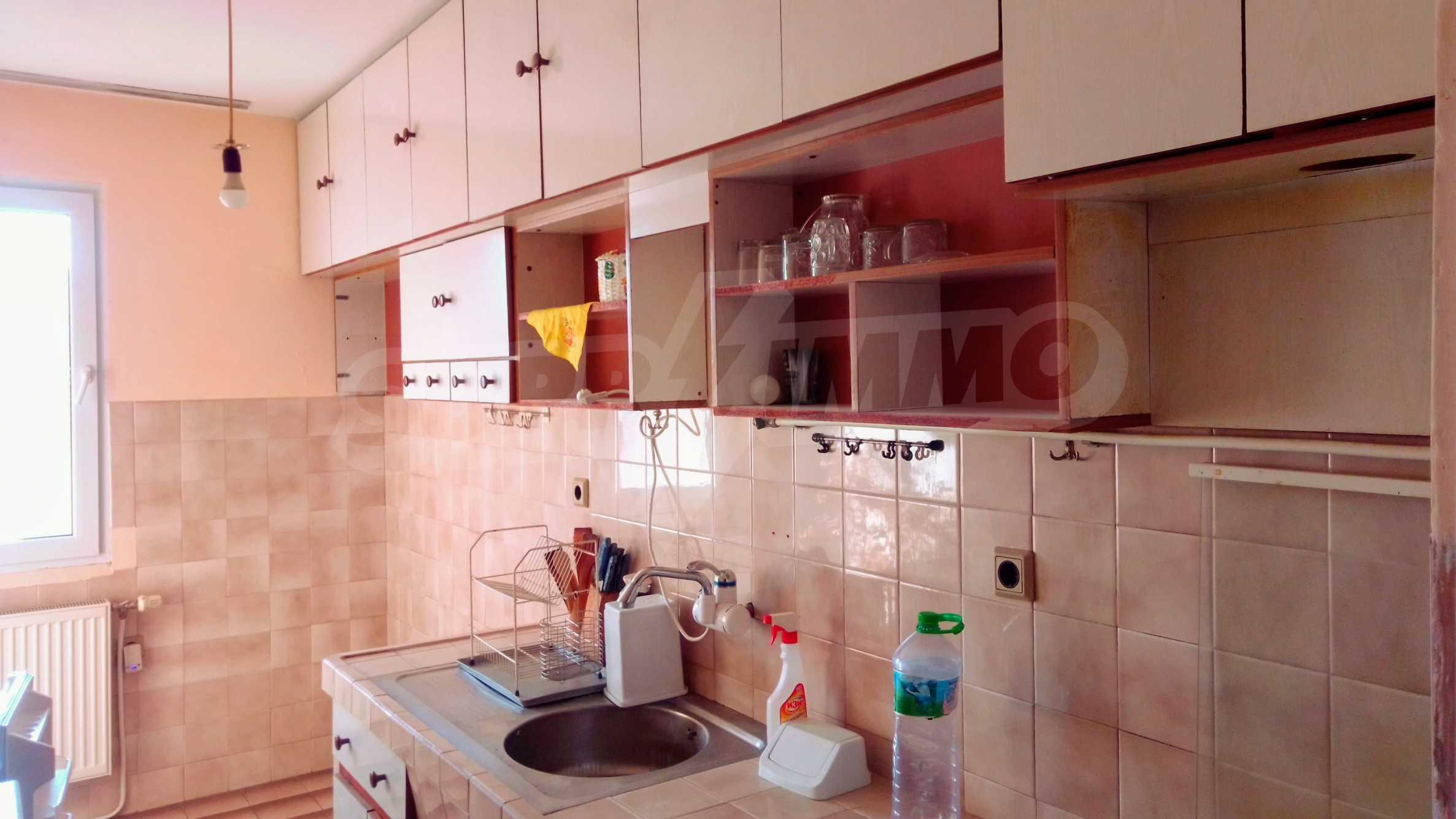 Слънчев тристаен апартамент в град Севлиево  3
