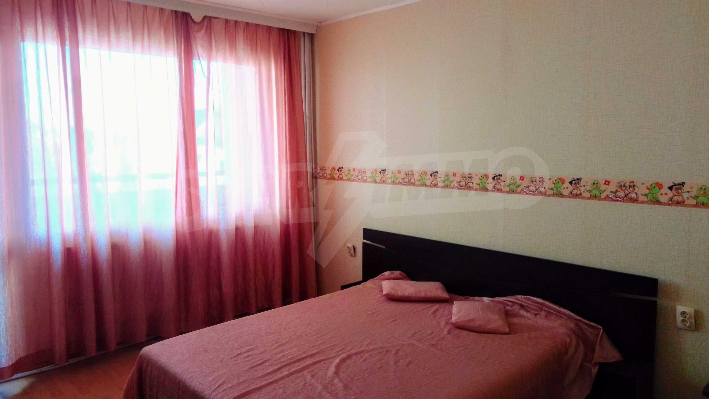 Слънчев тристаен апартамент в град Севлиево  5
