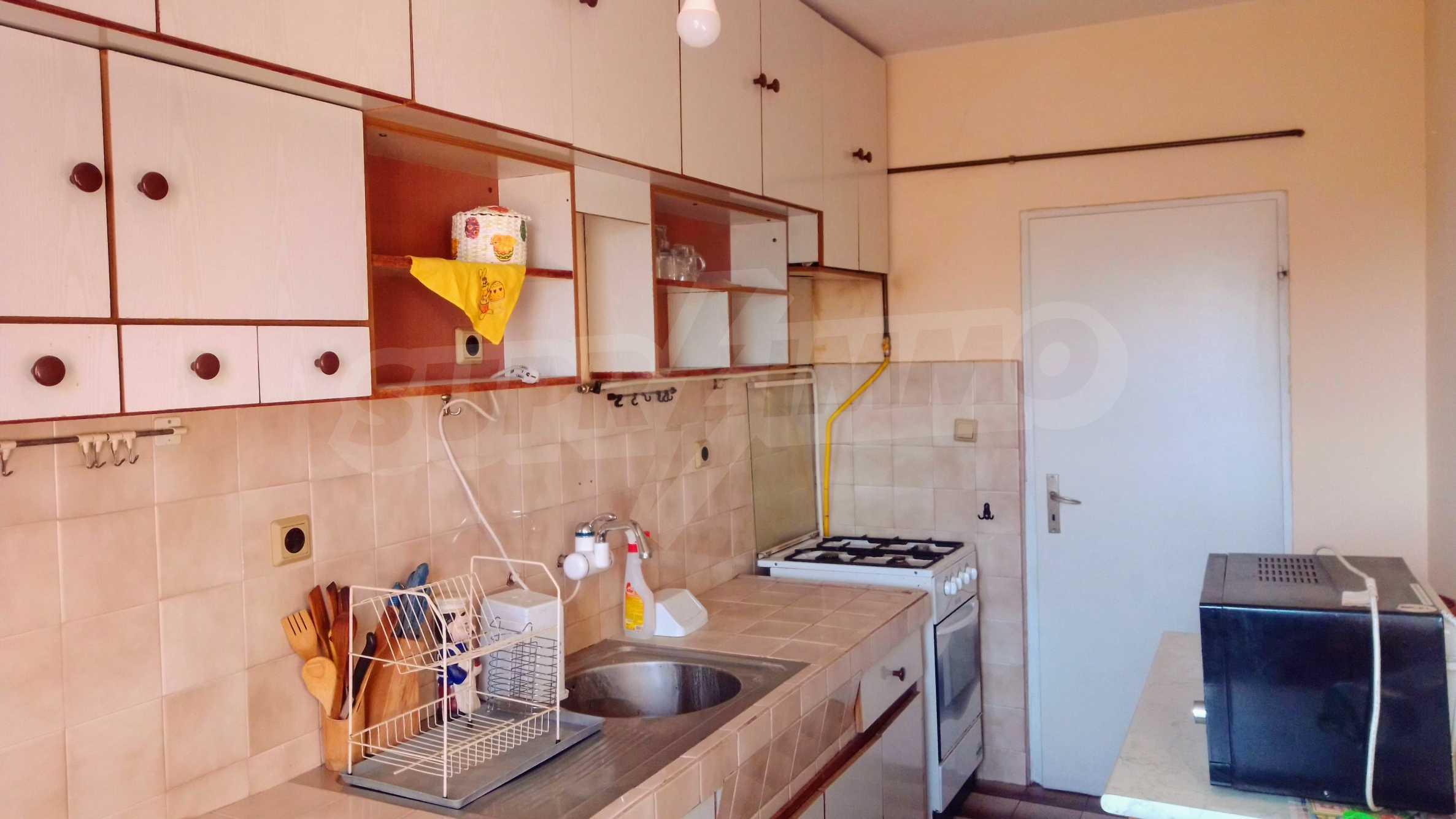Слънчев тристаен апартамент в град Севлиево  8