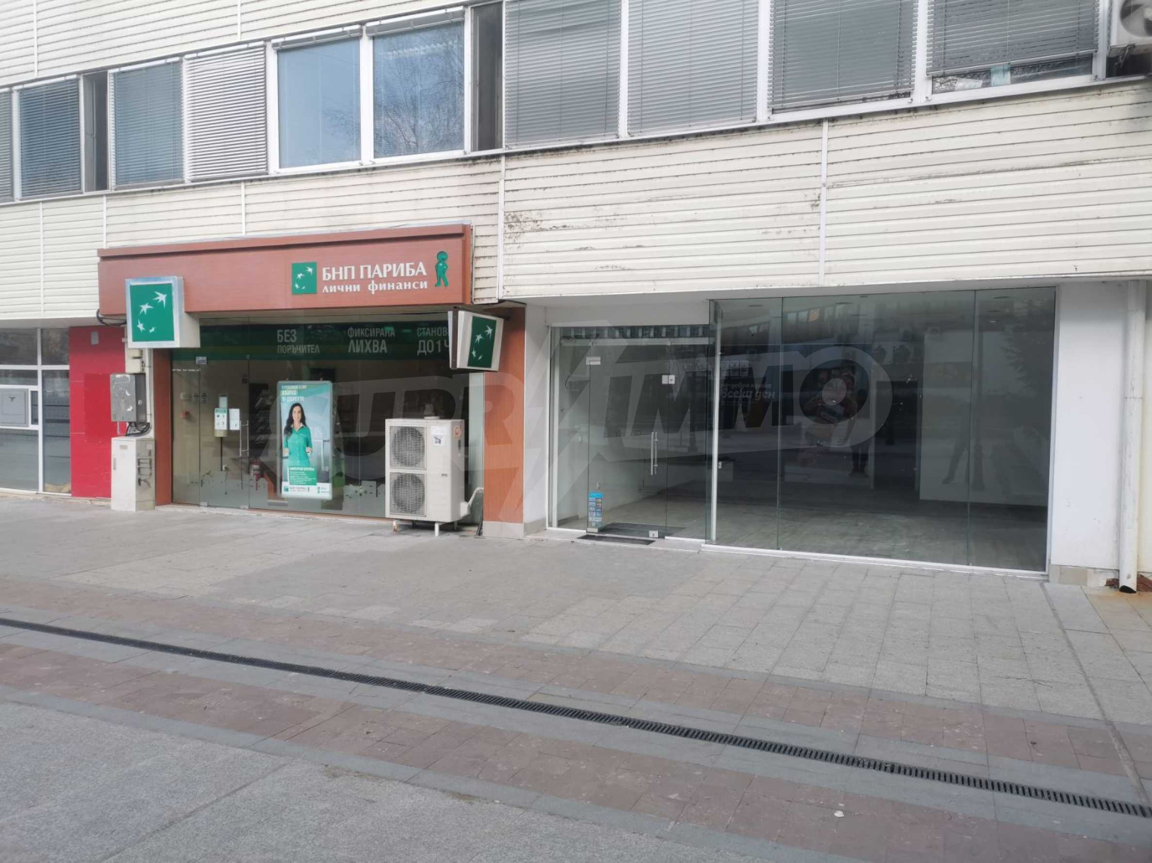 Търговско помещение под наем в центъра на града 1