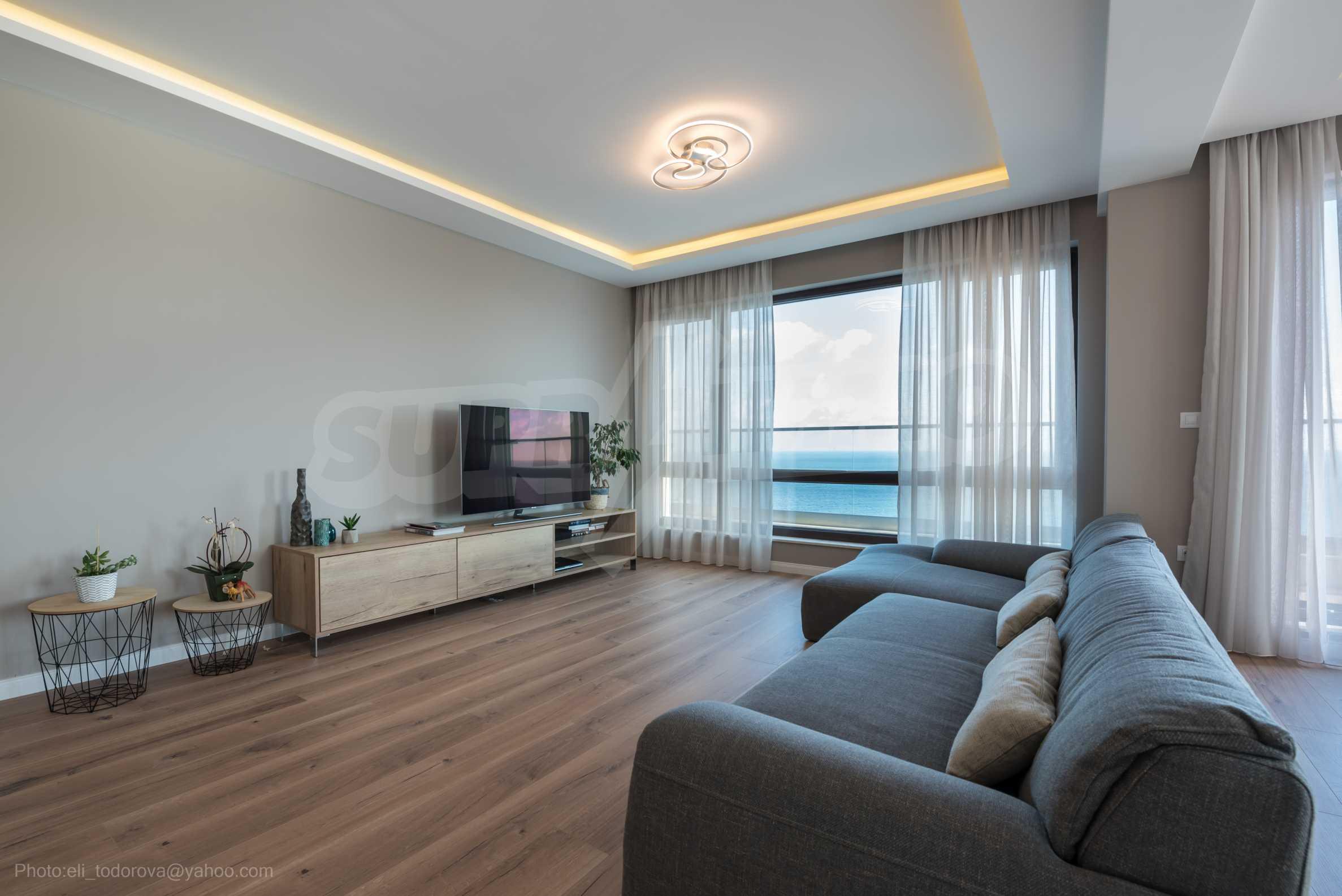 Апартамент Елеганс Вю - тристаен имот с уникална гледка към морето 1