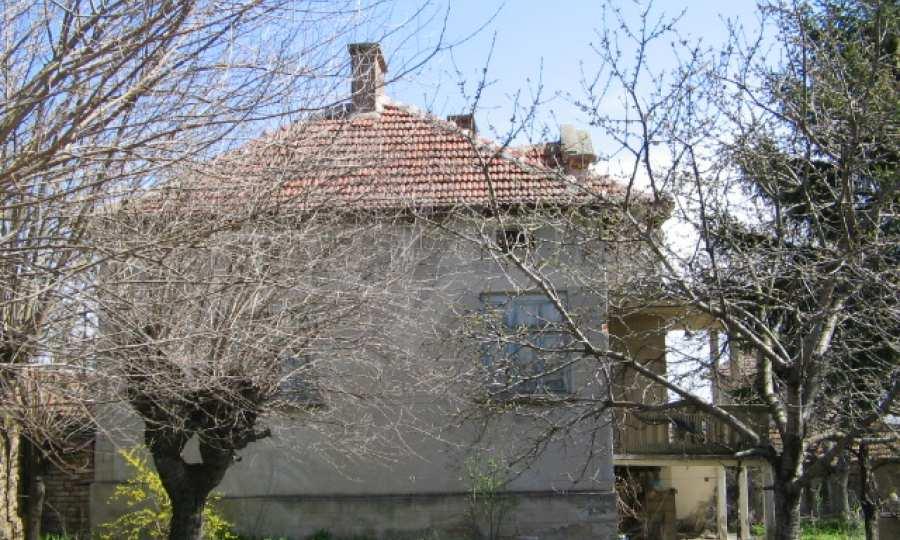 Голяма къща до р. Огоста 27