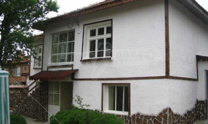 Красива къща в малко селце в близост до град Елхово 1