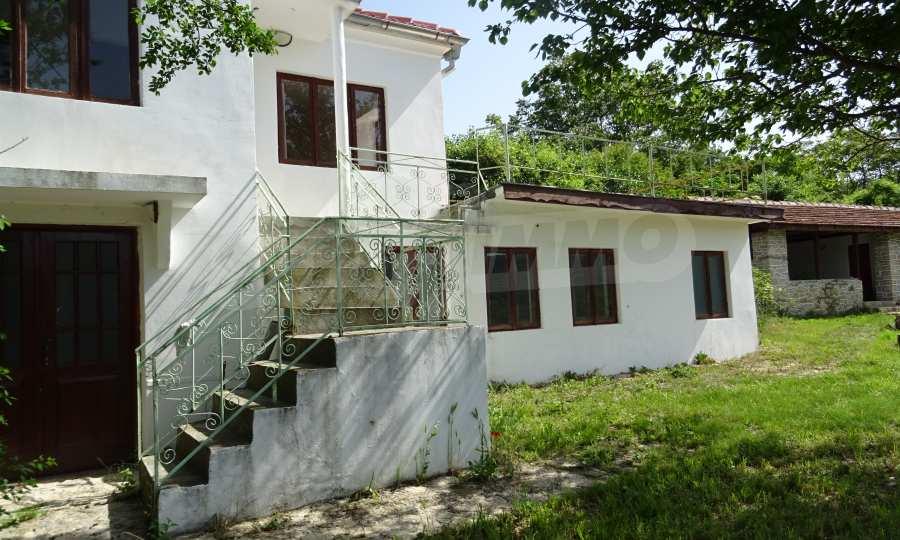 Две каменни къщи в Чернево 11