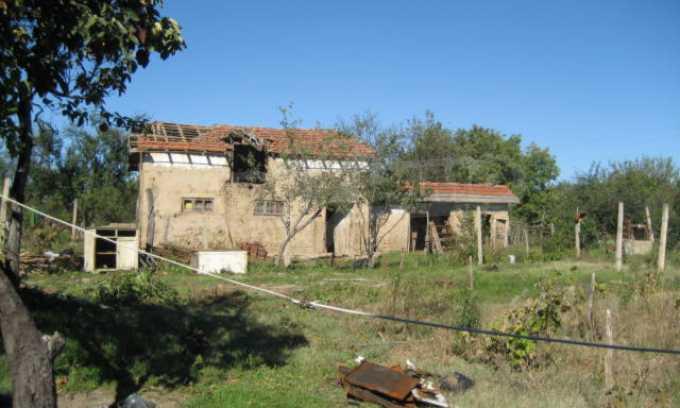 Къща за продан в района на гр. Монтана 13