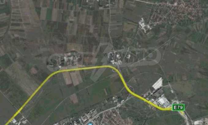 Регулиран парцел до Дунав Мост 2 11