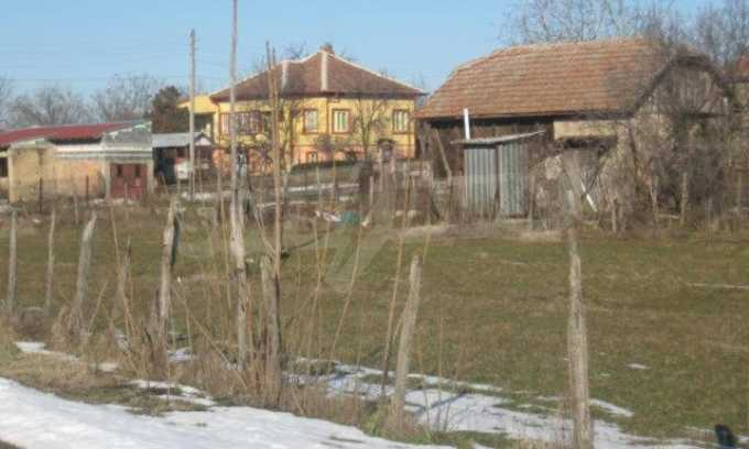 Регулиран парцел до Дунав Мост 2 1
